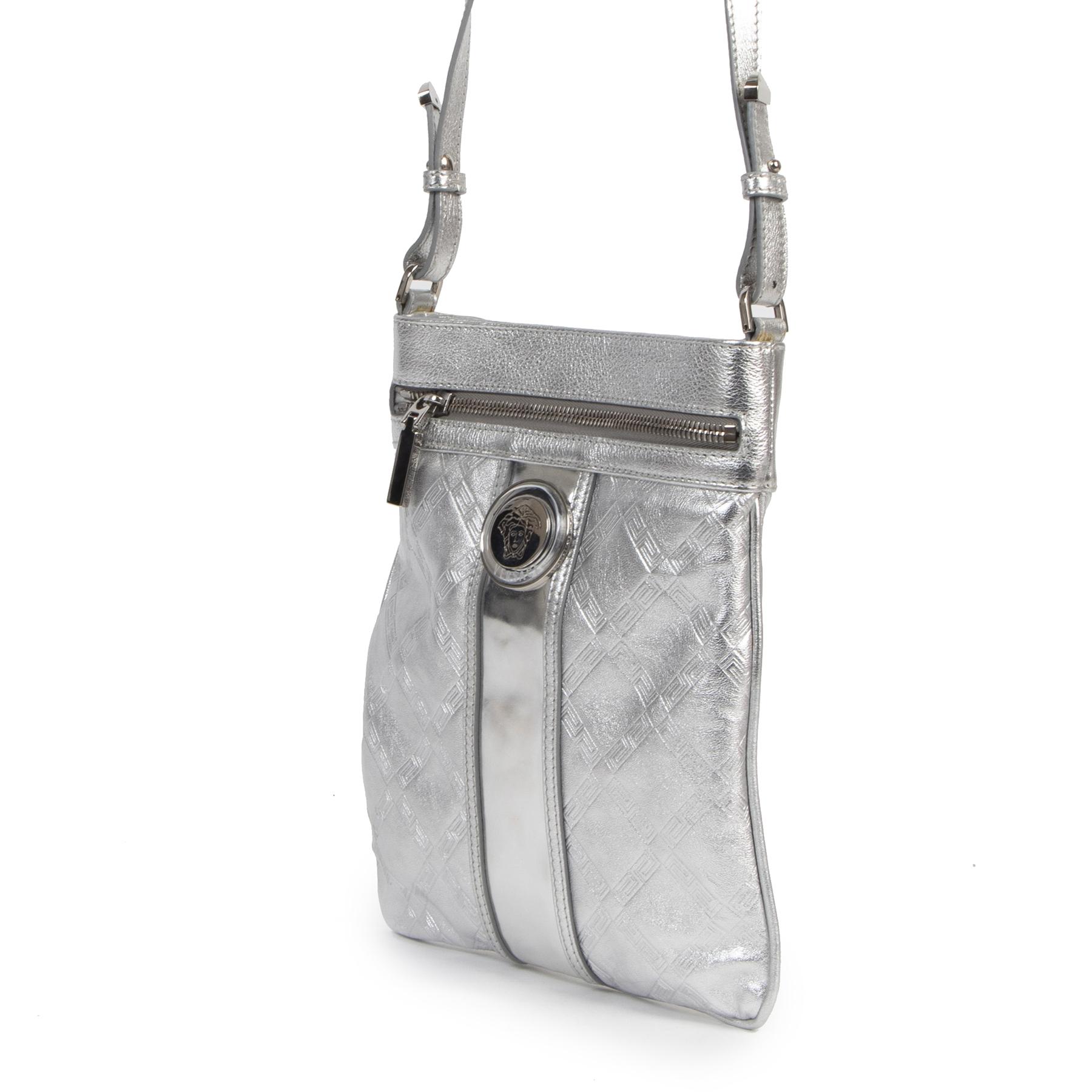 Authentieke Tweedehands Versace Silver Messenger Crossbody Bag juiste prijs veilig online shoppen luxe merken webshop winkelen Antwerpen België mode fashion