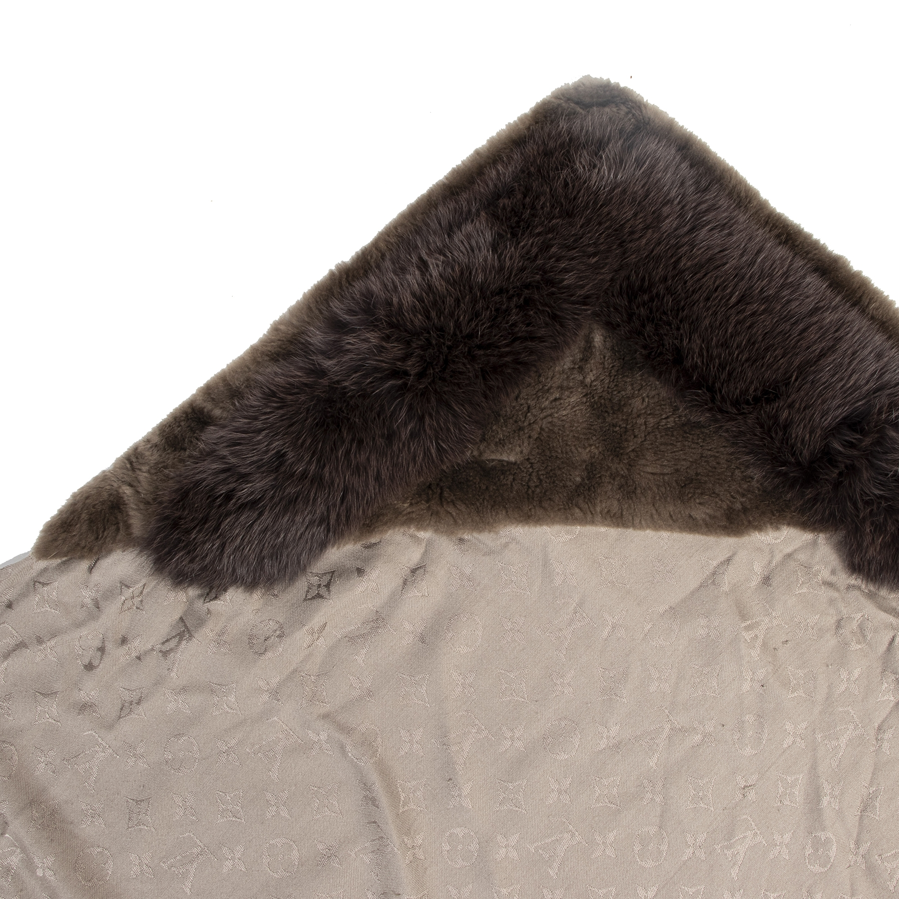 Authentique seconde-main vintage Louis Vuitton Monogram V Fur Verone Shawl achète en ligne webshop LabelLOV