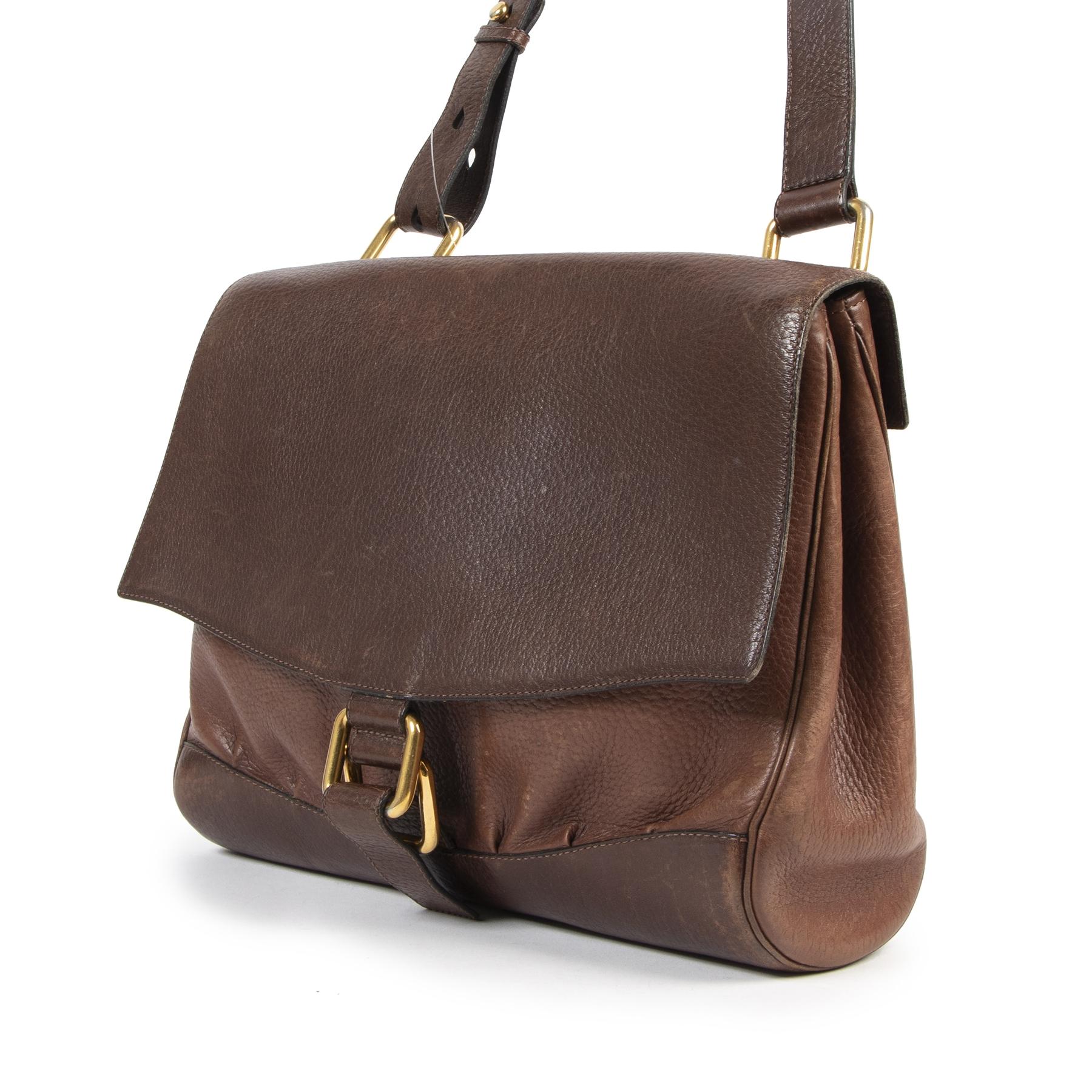 Koop veilig uw authentieke designer Delvaux handtassen aan de beste prijs bij Labellov