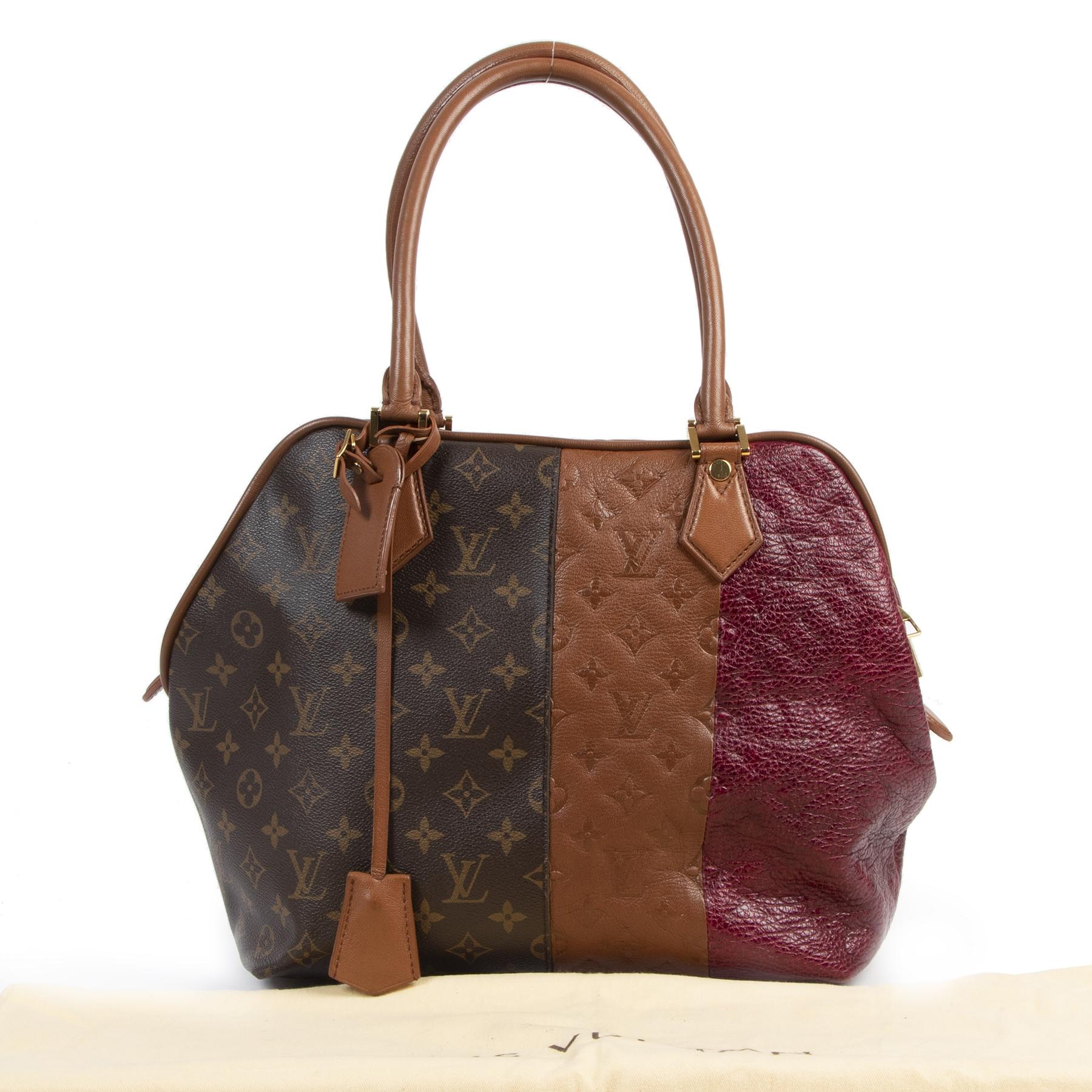 Koop en verkoop uw authentieke designer Louis Vuitton Burgundy Blocks Zipped Tote Bag