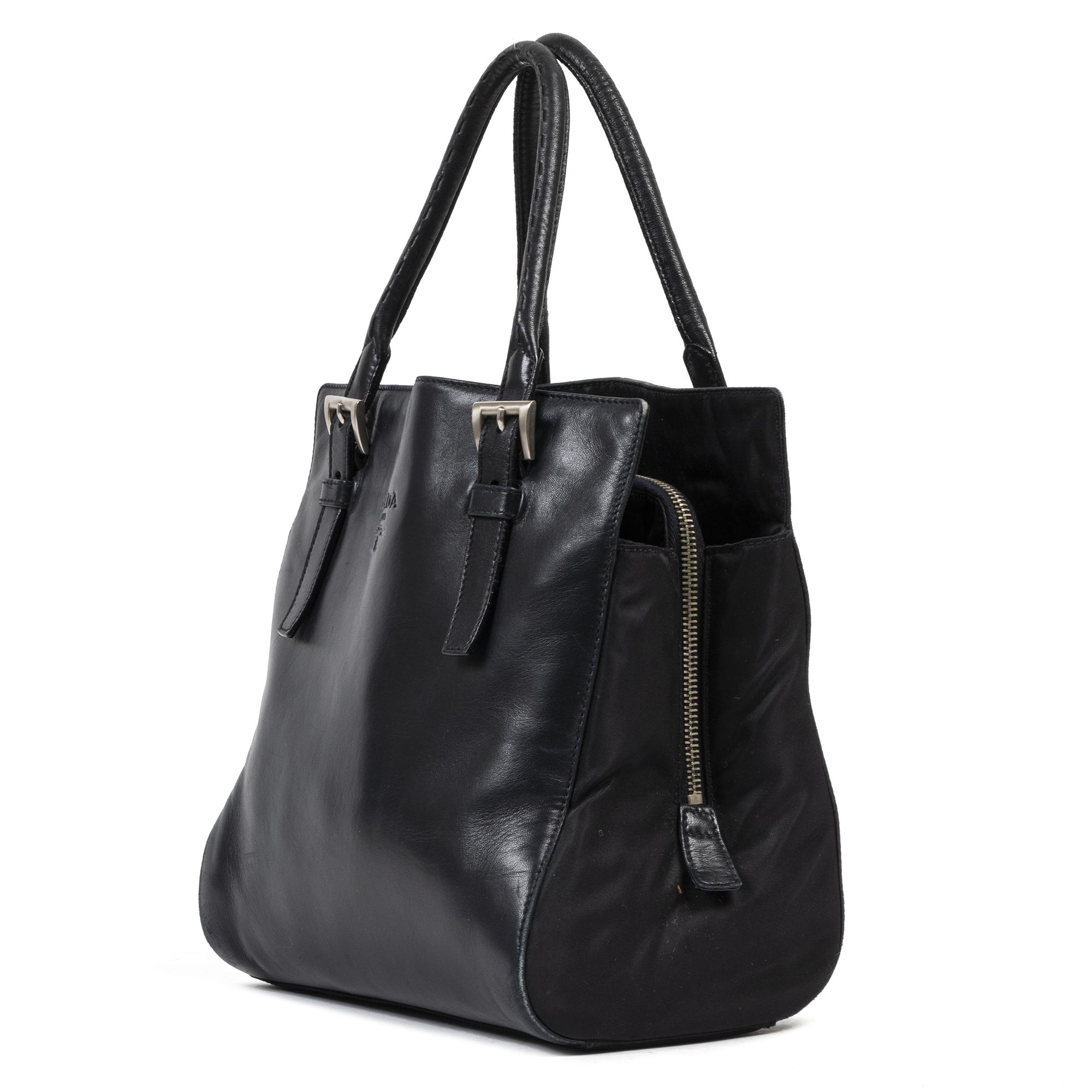 Authentic secondhand Prada Black Leather Square Top Hande Bag luxury vintage webshop fashion safe secure online shopping