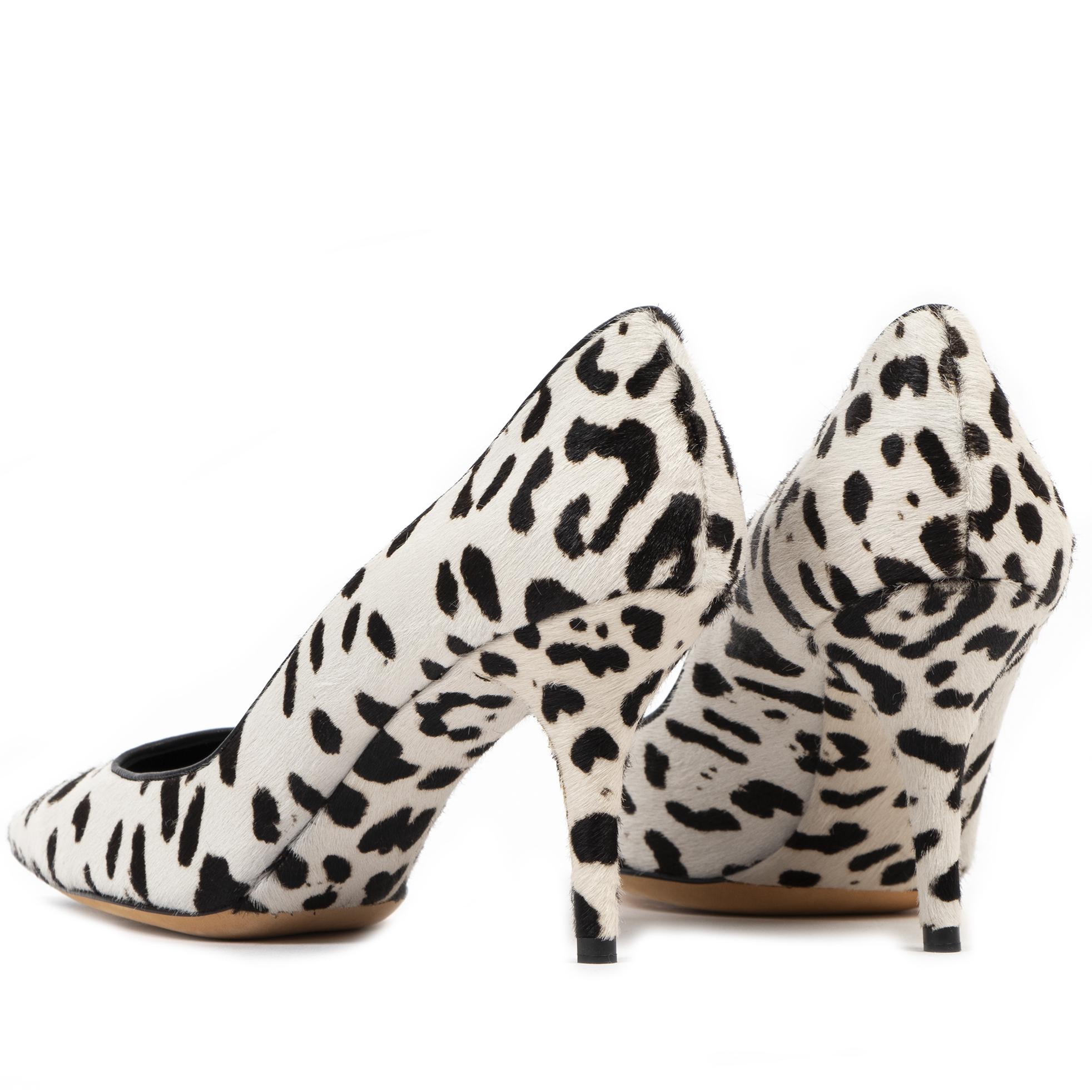 Authentique seconde-main vintage Dolce & Gabbanna Dalmatian Print Heels - Size 40 1/2 achète en ligne webshop LabelLOV