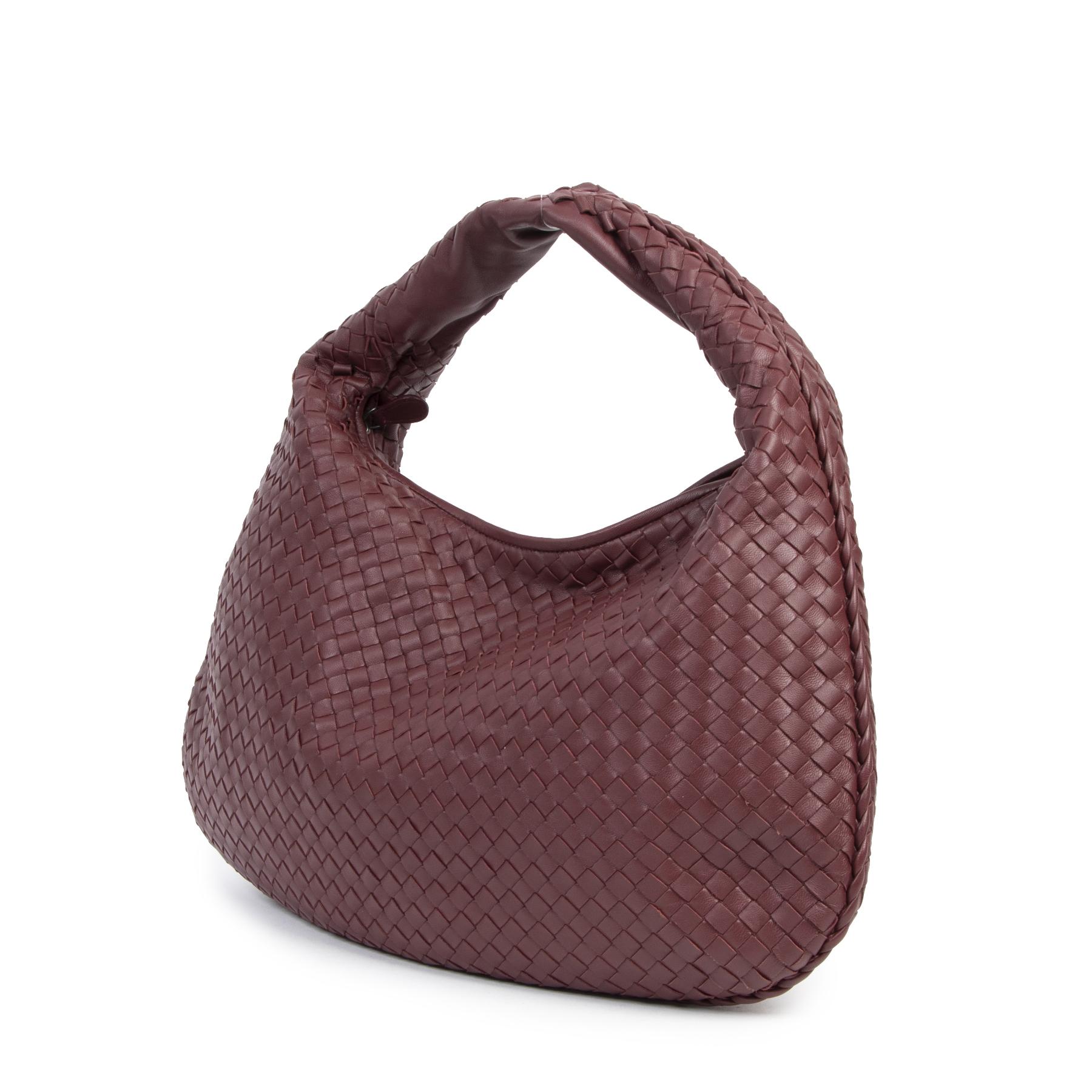 Authentieke Tweedehands Bottega Veneta Large Burgundy Hobo Bag juiste prijs veilig online shoppen luxe designer handtassen webshop mode fashion België Antwerpen