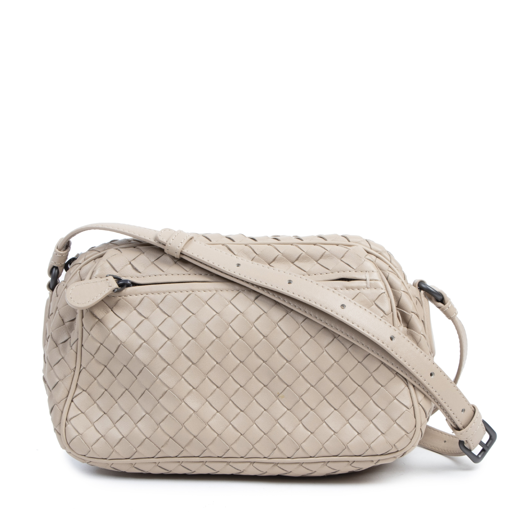 Authentic secondhand Bottega Veneta Blush Intrecciato Woven Leather Camera Bag designer bags fashion luxury vintage webshop high end brands