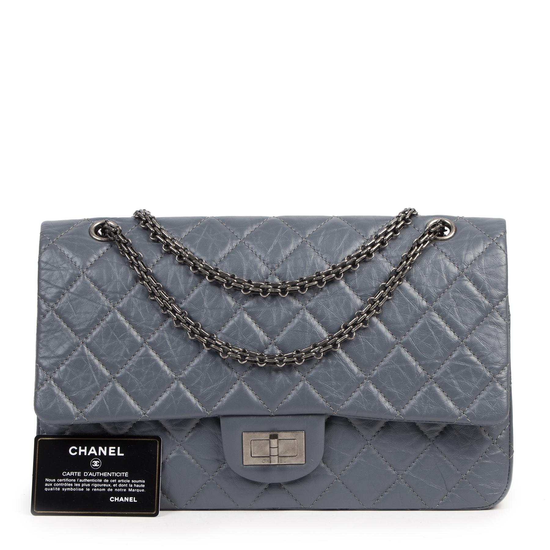 Authentieke Tweedehands Chanel Blueish/Grey Aged Calfskin 2.55 Reissue 227 Flapbag juiste prijs veilig online shoppen luxe merken webshop winkelen Antwerpen België mode fashion
