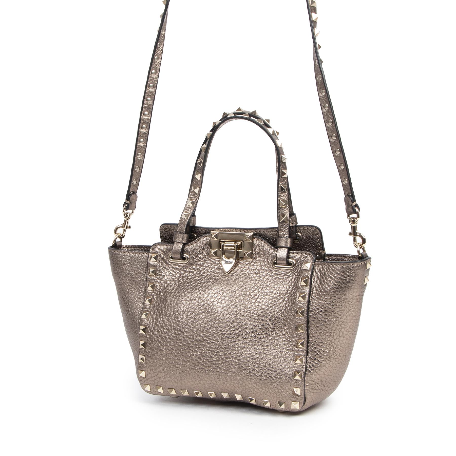 Valentino Mini Rockstud Tote Bag te koop bij Labellov tweedehands luxe in Antwerpen