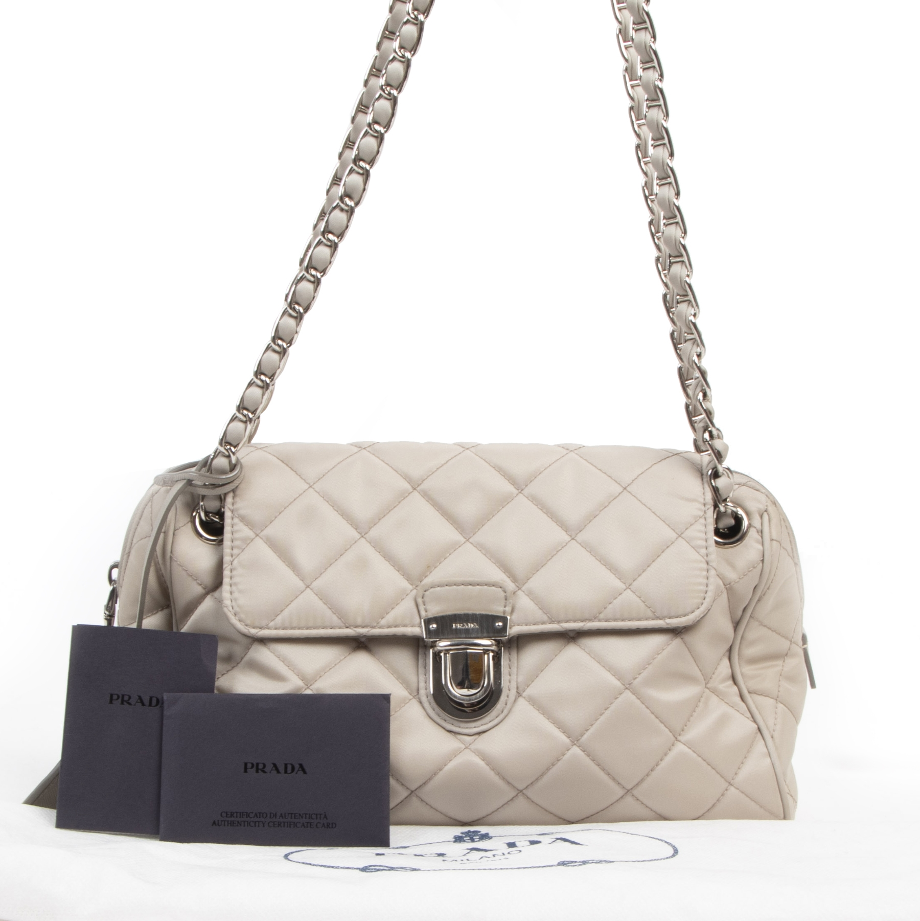 Authentique seconde-main vintage Prada Beige Nylon Shoulder Bag achète en ligne webshop LabelLOV