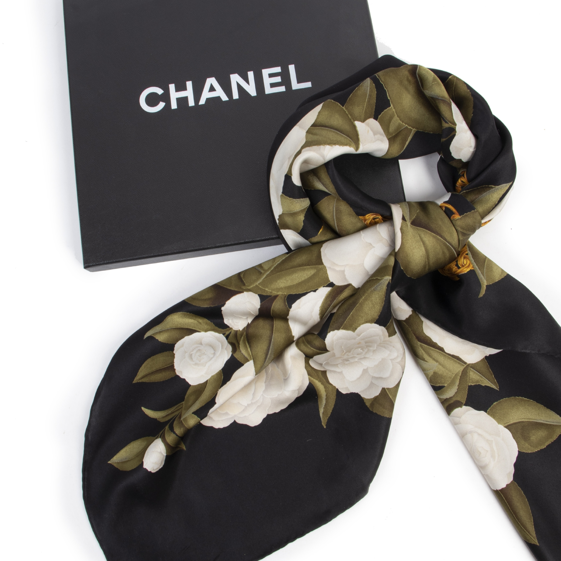 Authentieke tweedehands vintage Chanel Black Floral Silk Scarf koop online webshop LabelLOV