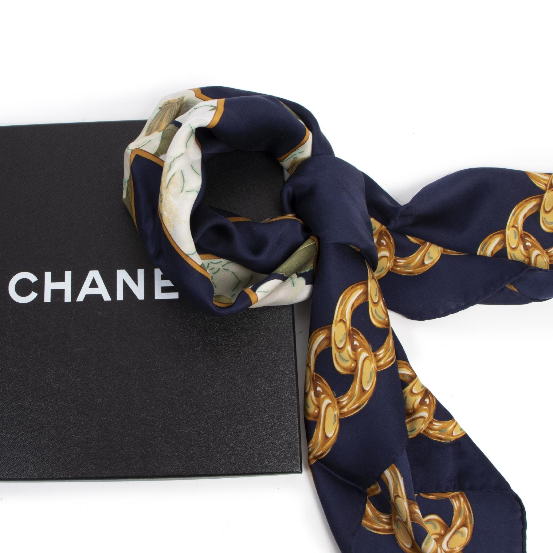 Authentieke tweedehands vintage Chanel Logo Blue And Gold Silk Scarf koop online webshop LabelLOV