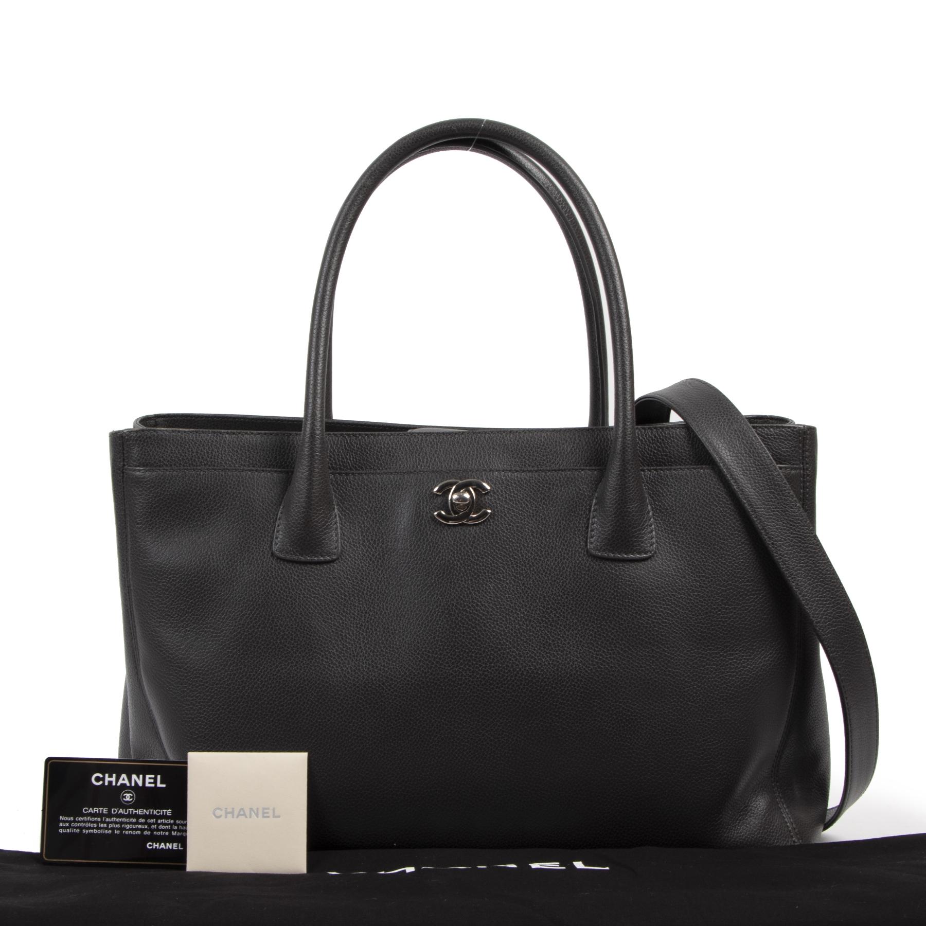 Authentieke tweedehands vintage Chanel Dark Grey Executive Cerf Tote Bag koop online webshop LabelLOV