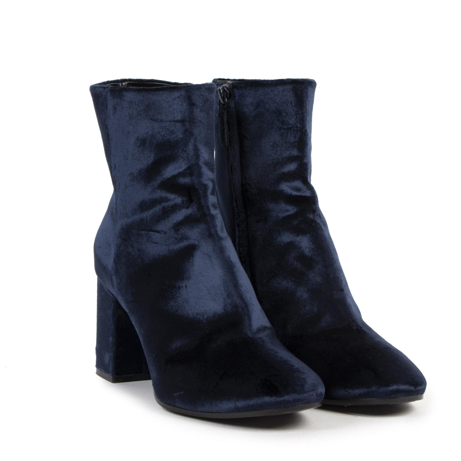 Authentieke tweedehands vintage Balenciaga Blue Velvet Ankle Boots - Size 39,5  koop online webshop LabelLOV