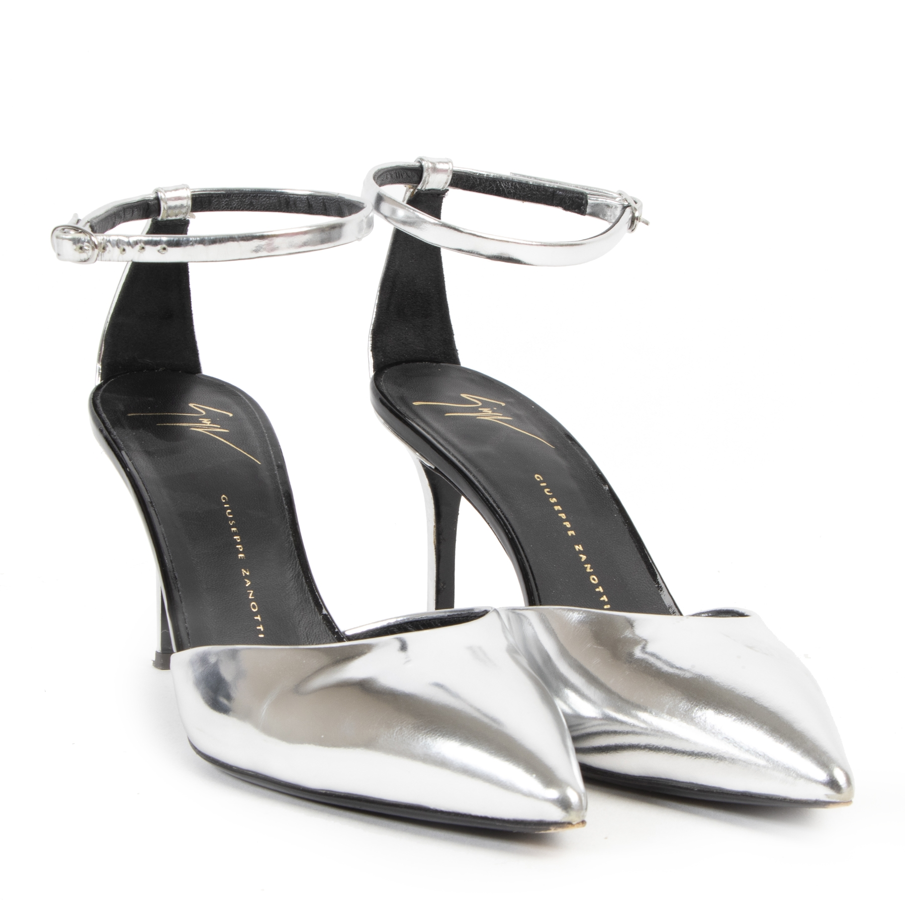 Authentic secondhand Giuseppe Zanotti Silver Pointed Pumps - Size 38 designer shoes pumps fashion luxury vintage webshop safe secure online shopping