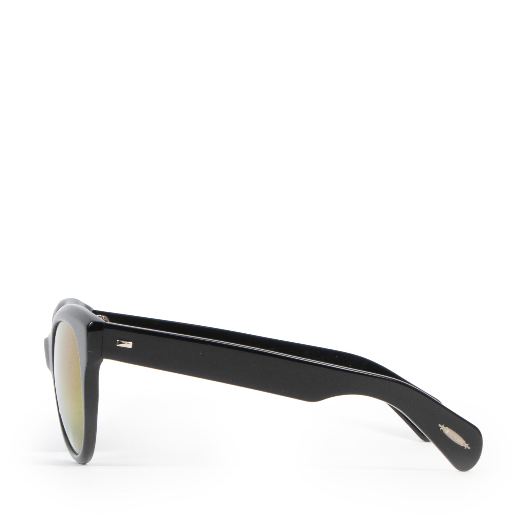 Koop authentieke tweedehands Oliver Peoples zonnebrillen met juiste prijs bij LabelLOV.