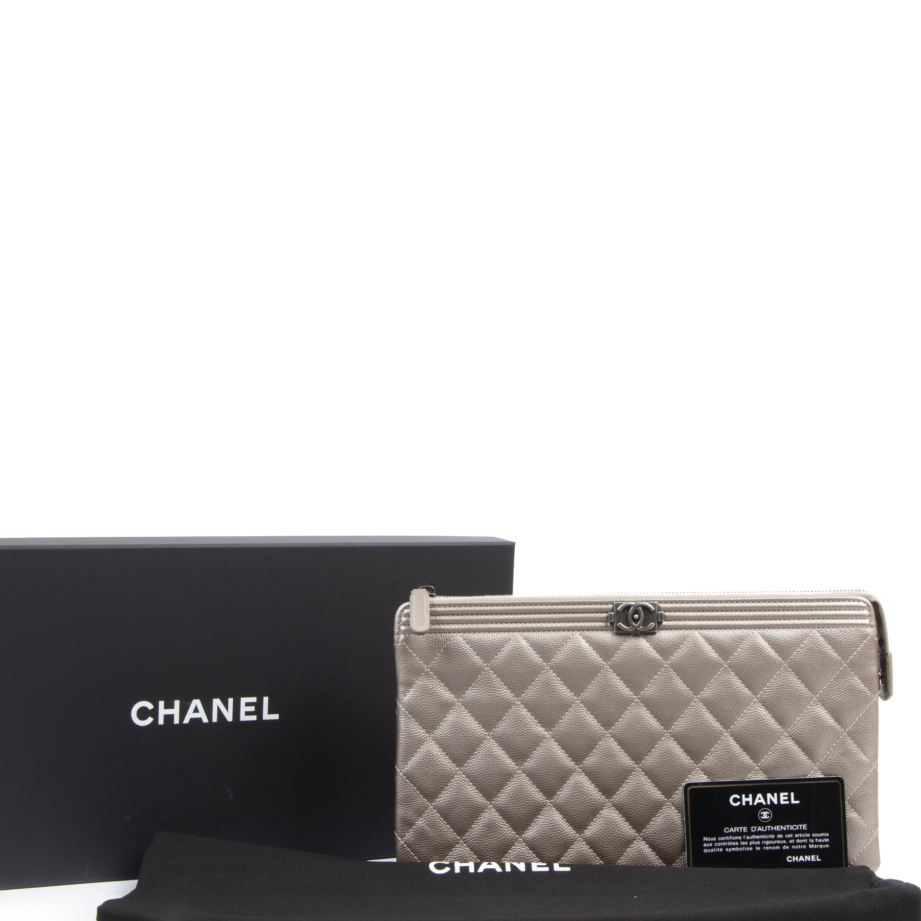 Authentieke tweedehands vintage Chanel Bronze Leather Caviar Boy Clutch koop online webshop LabelLOV