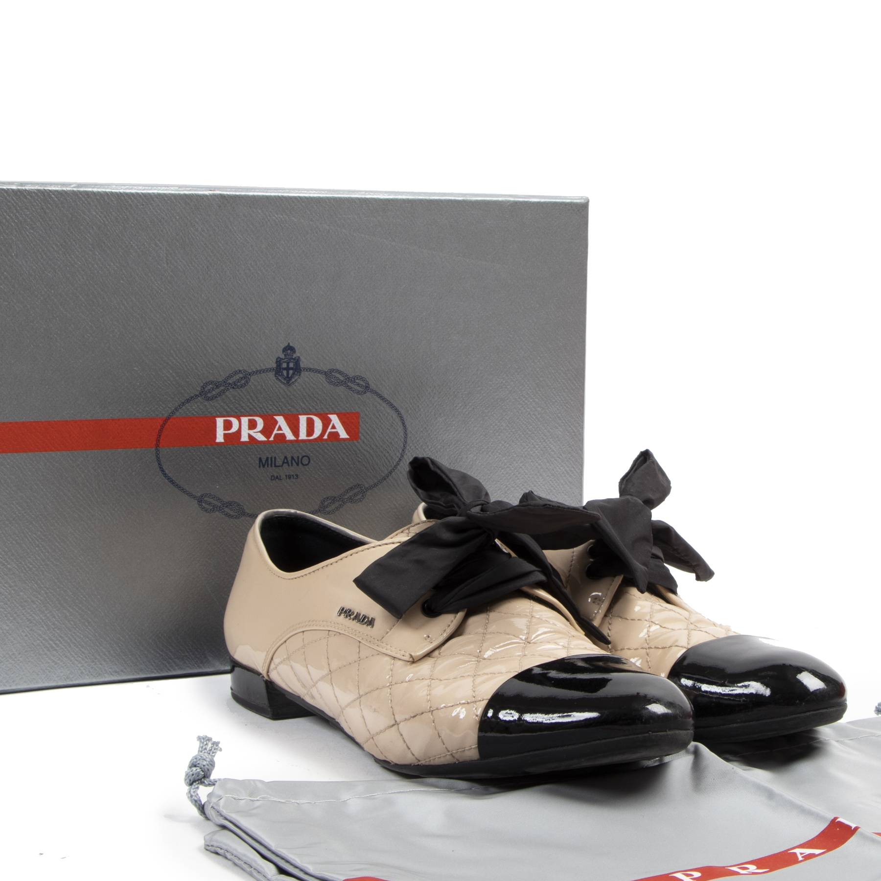 Authentique seconde-main vintage Prada Quilted Patent Cap Toe Shoes - Size 38,5 achète en ligne webshop LabelLOV