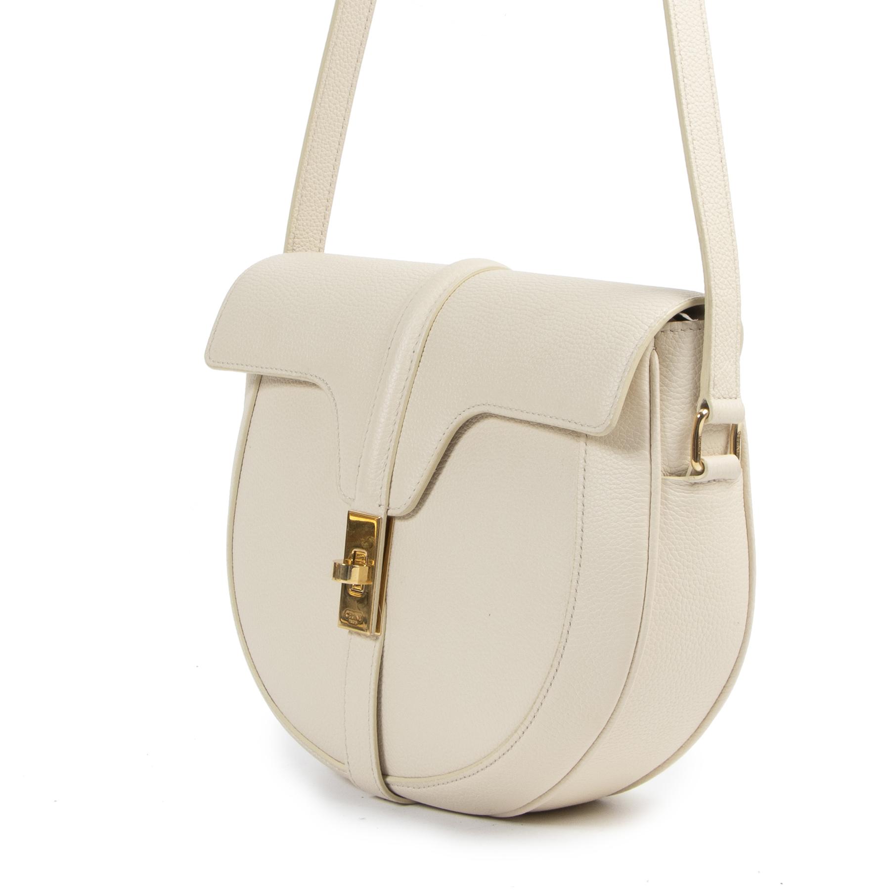 Celine Besace 16 Cream Crossbody Bag aan de beste prijs bij Labellov tweedehands luxe