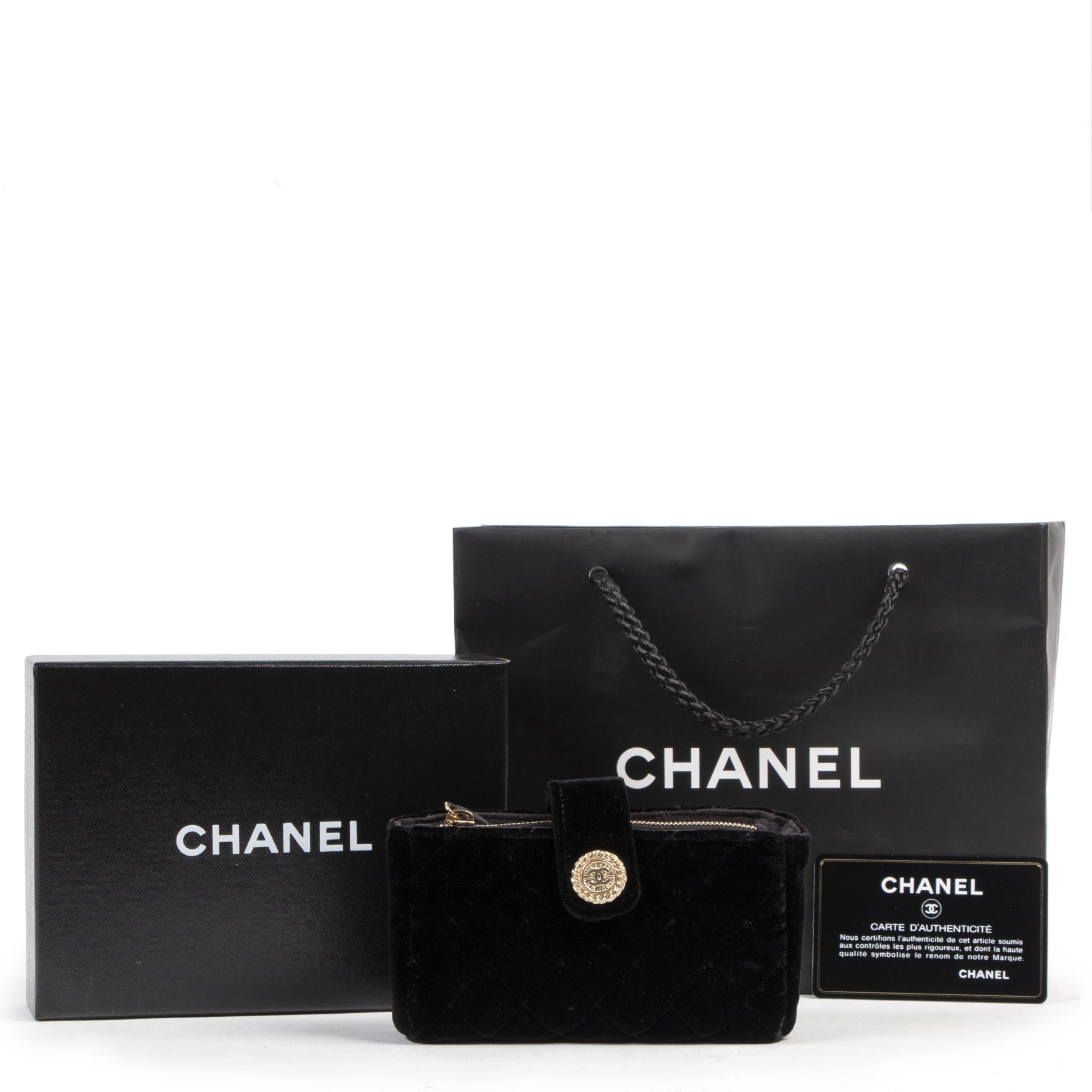 Authentique seconde-main vintage Chanel Black Velvet Wallet achète en ligne webshop LabelLOV
