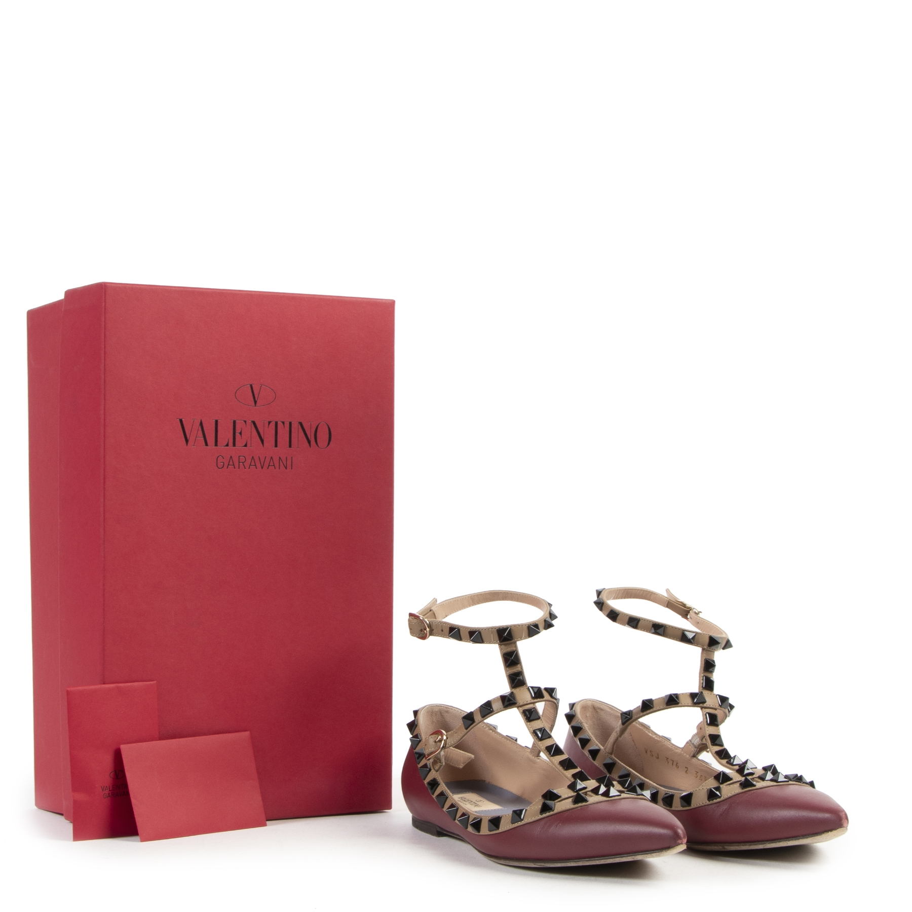 Valentino Garavani Rockstud Leather Ballerinas for the best price at Labellov secondhand luxury webshop in Antwerp