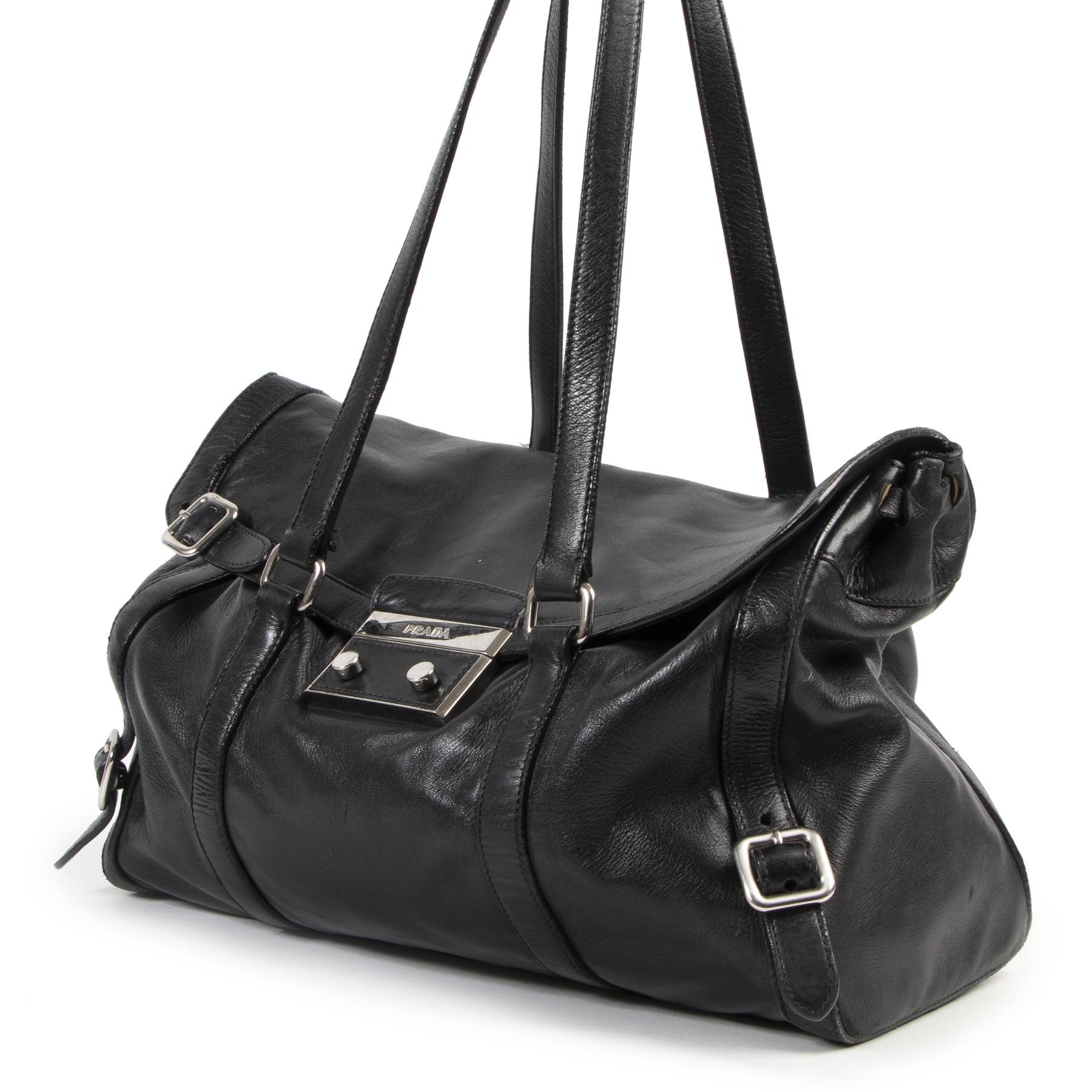 Authentieke Tweedehands Prada Black Leather Shoulder Bag juiste prijs veilig online shoppen luxe merken webshop winkelen Antwerpen België mode fashion
