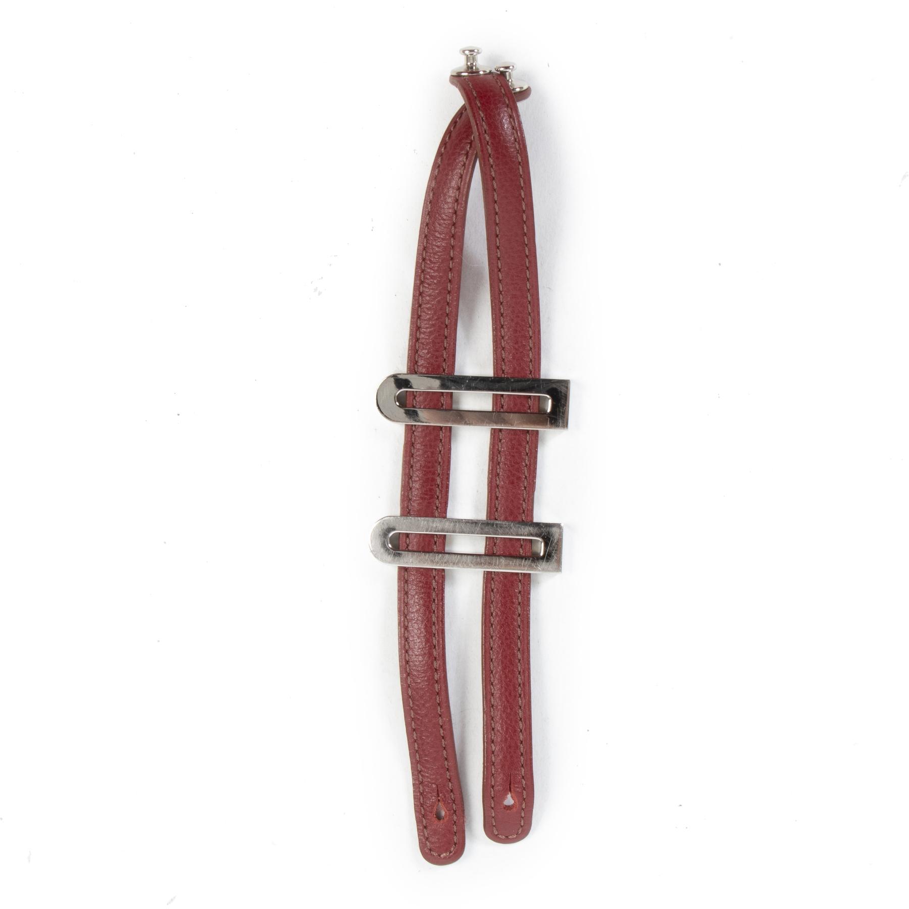Delvaux Red Leather Bracelet pour le meilleur prix chez Labellov à Anvers