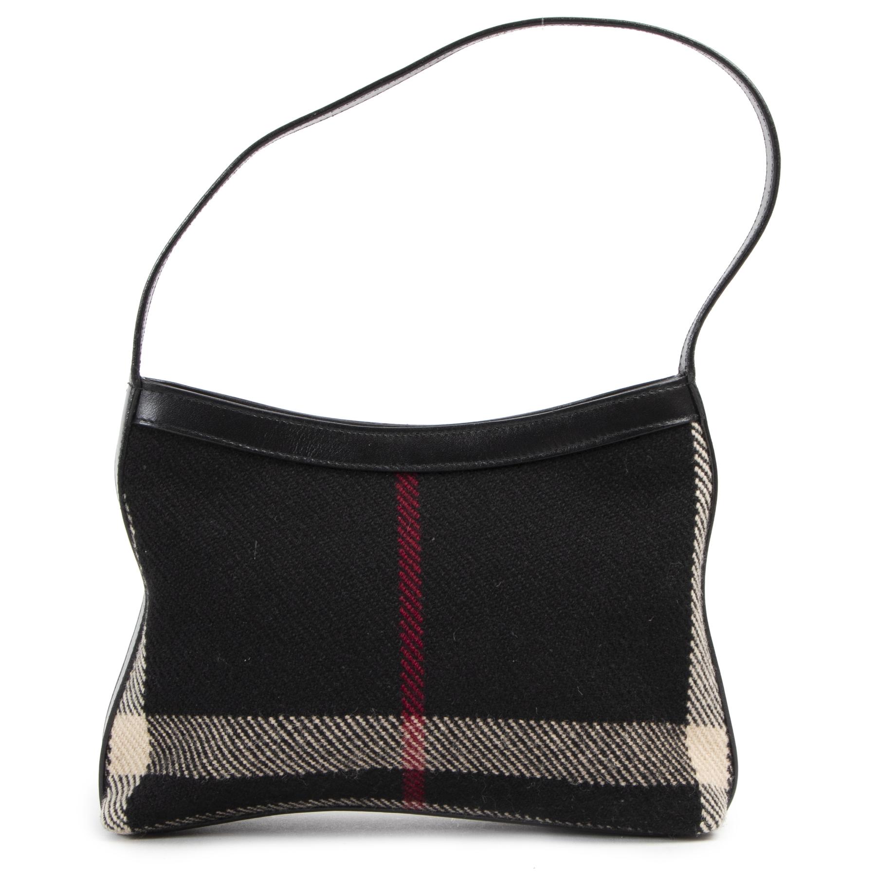 Burberry Black Check Wool Shoulder Bag aan de beste prijs te koop bij Labellov in Antwerpen