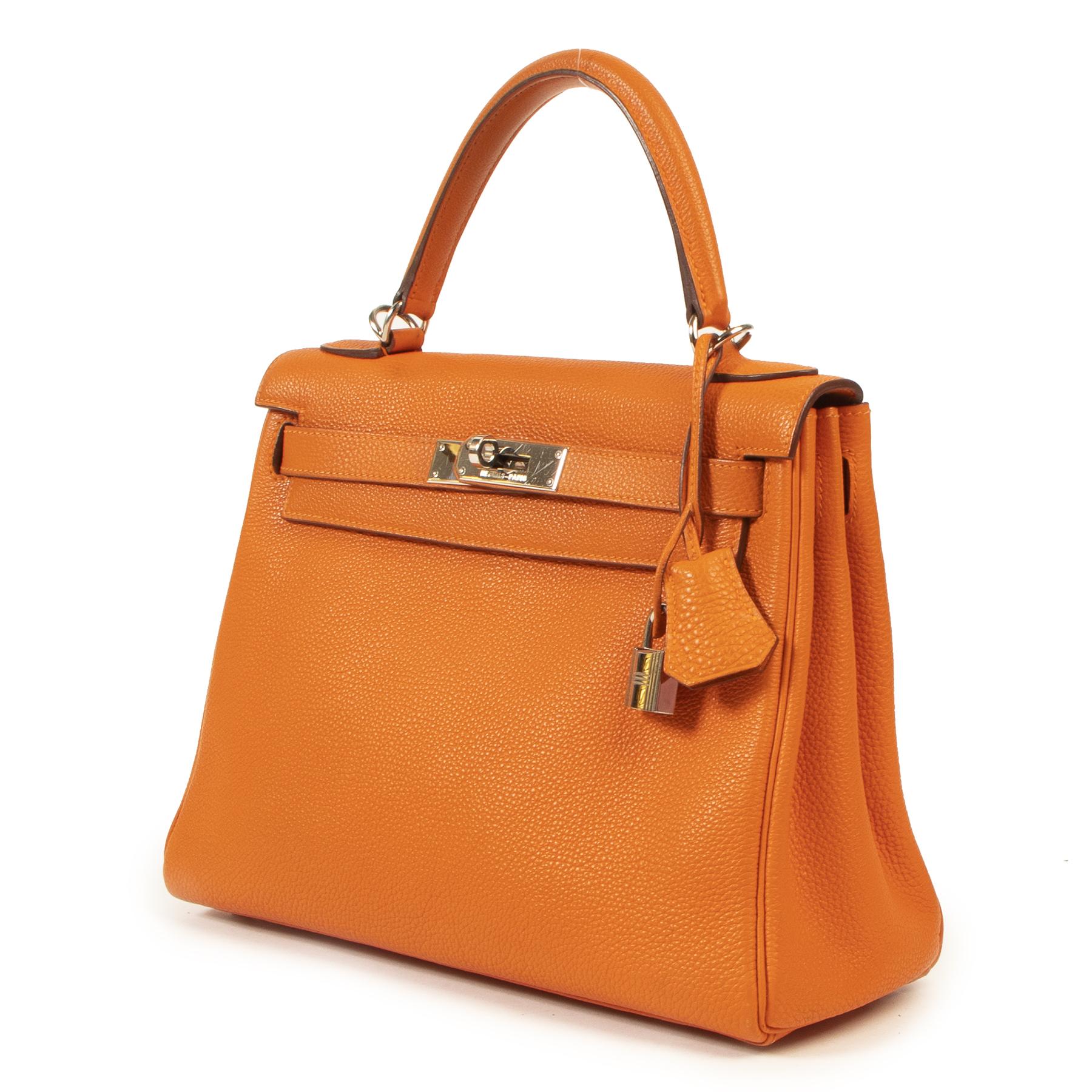 acheter en ligne pour le meilleur prix Hermes Kelly 28 Togo Orange PHW