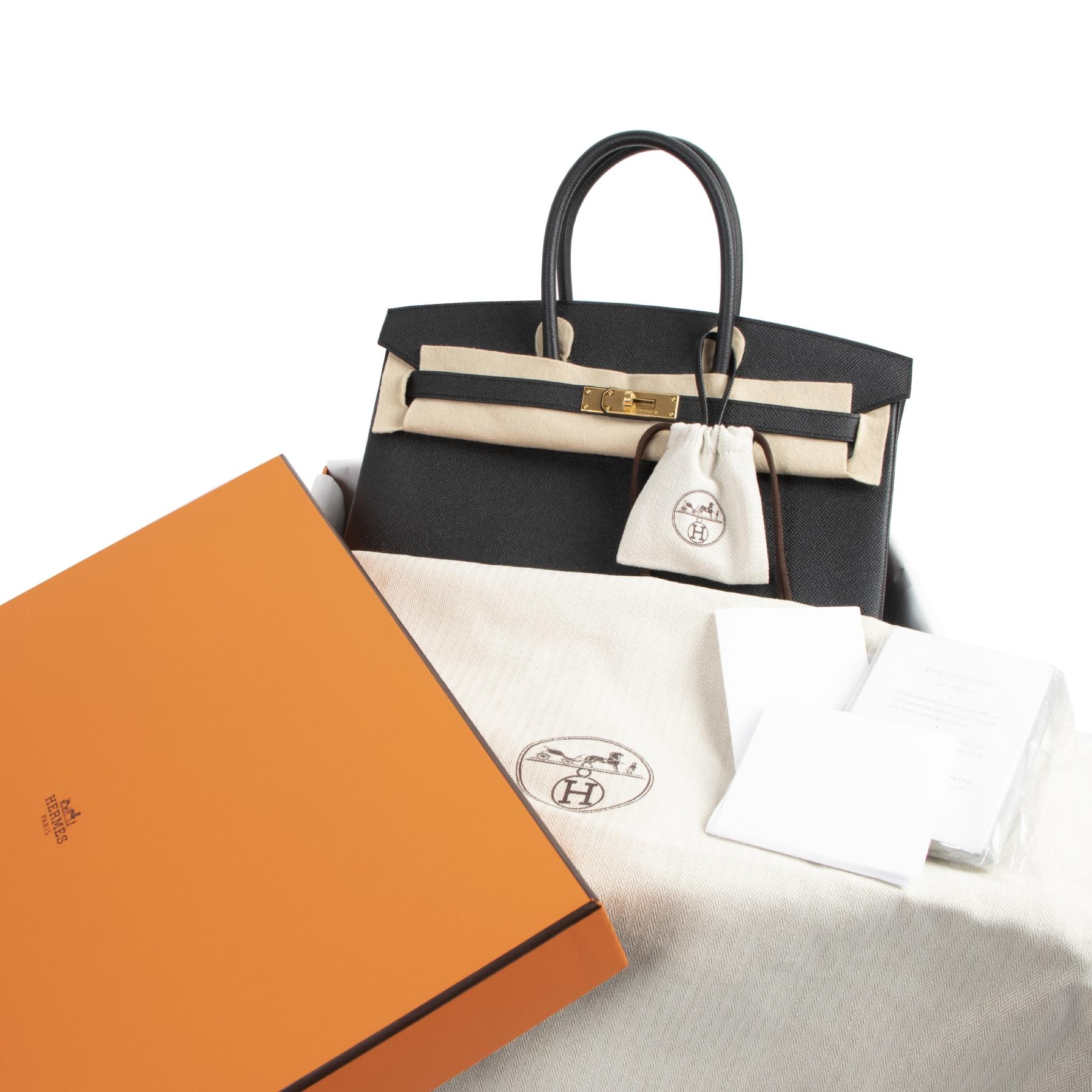 Bent u op zoek naar een authentieke designer handtas? We kopen en verkopen uw designer items online.