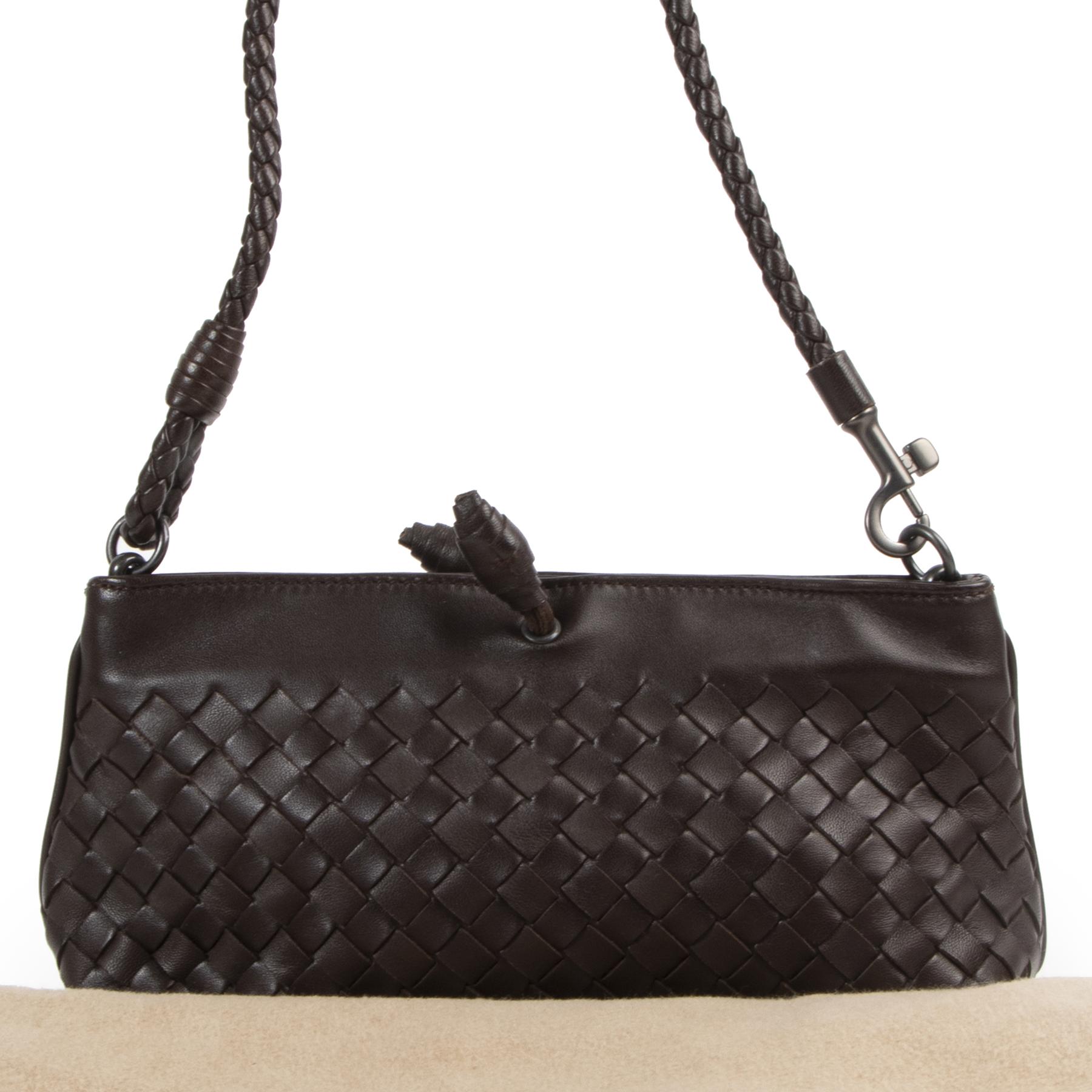 Authentic secondhand Bottega Veneta Brown Intrecciato Woven Leather Pochette designer bags fashion luxury vintage webshop safe secure online shopping