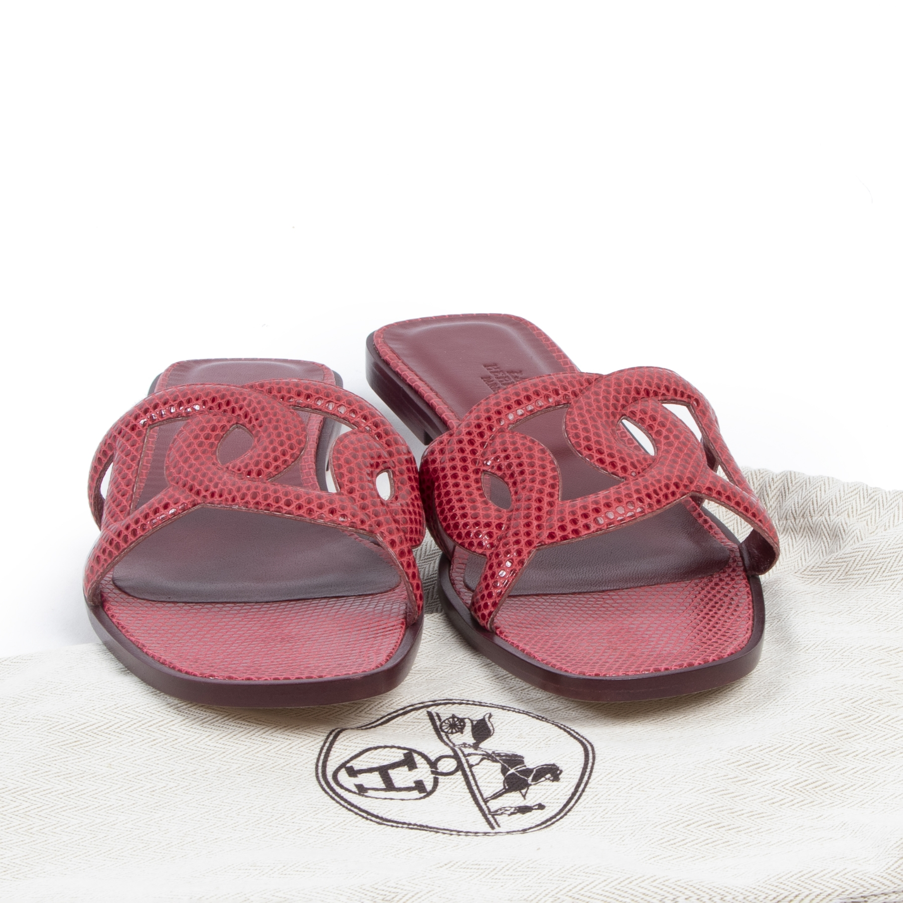 Authentic secondhand Hermès Dark Pink Omaha Sandals - Size 40 designer shoes sandals fashion luxury vintage webshop safe secure online shopping