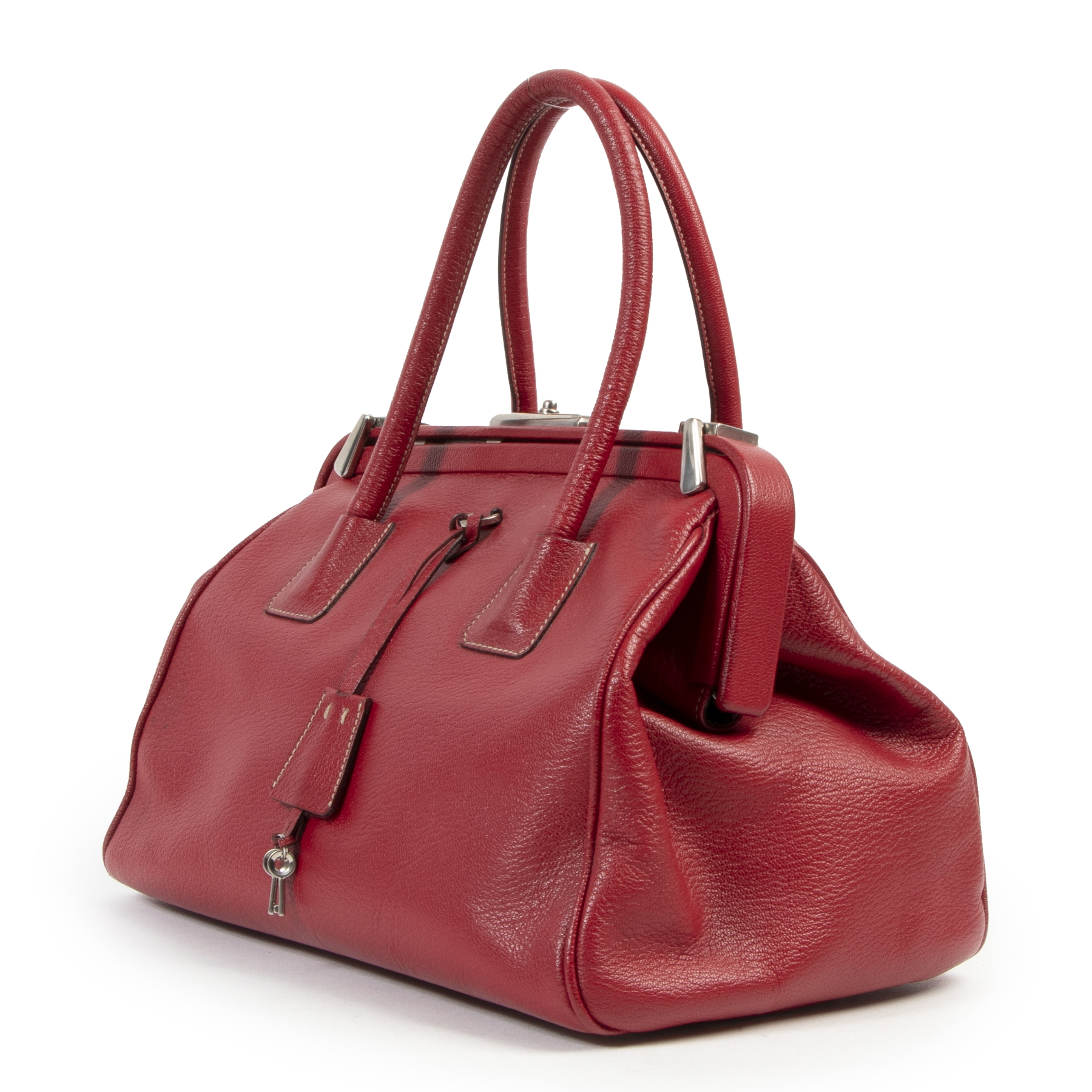 Koop authentieke tweedehands Prada handtassen met juiste prijs bij LabelLOV.