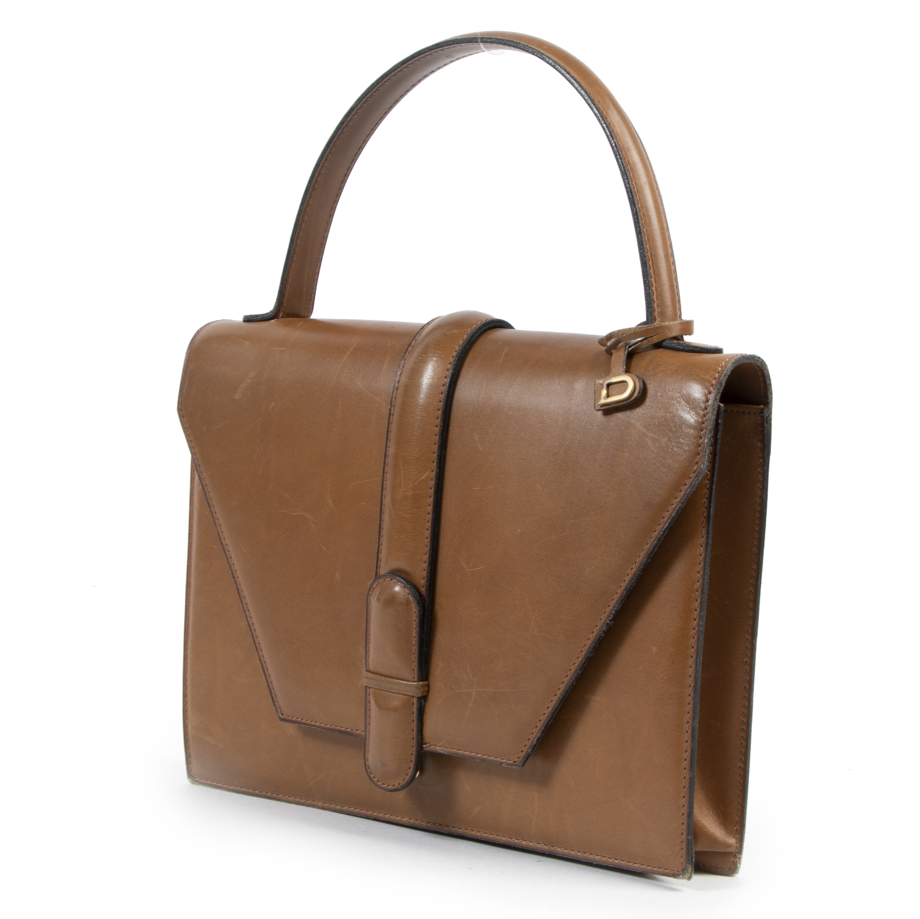 Buy authentic second hand Delvaux handbags with right price at LabelLOV.