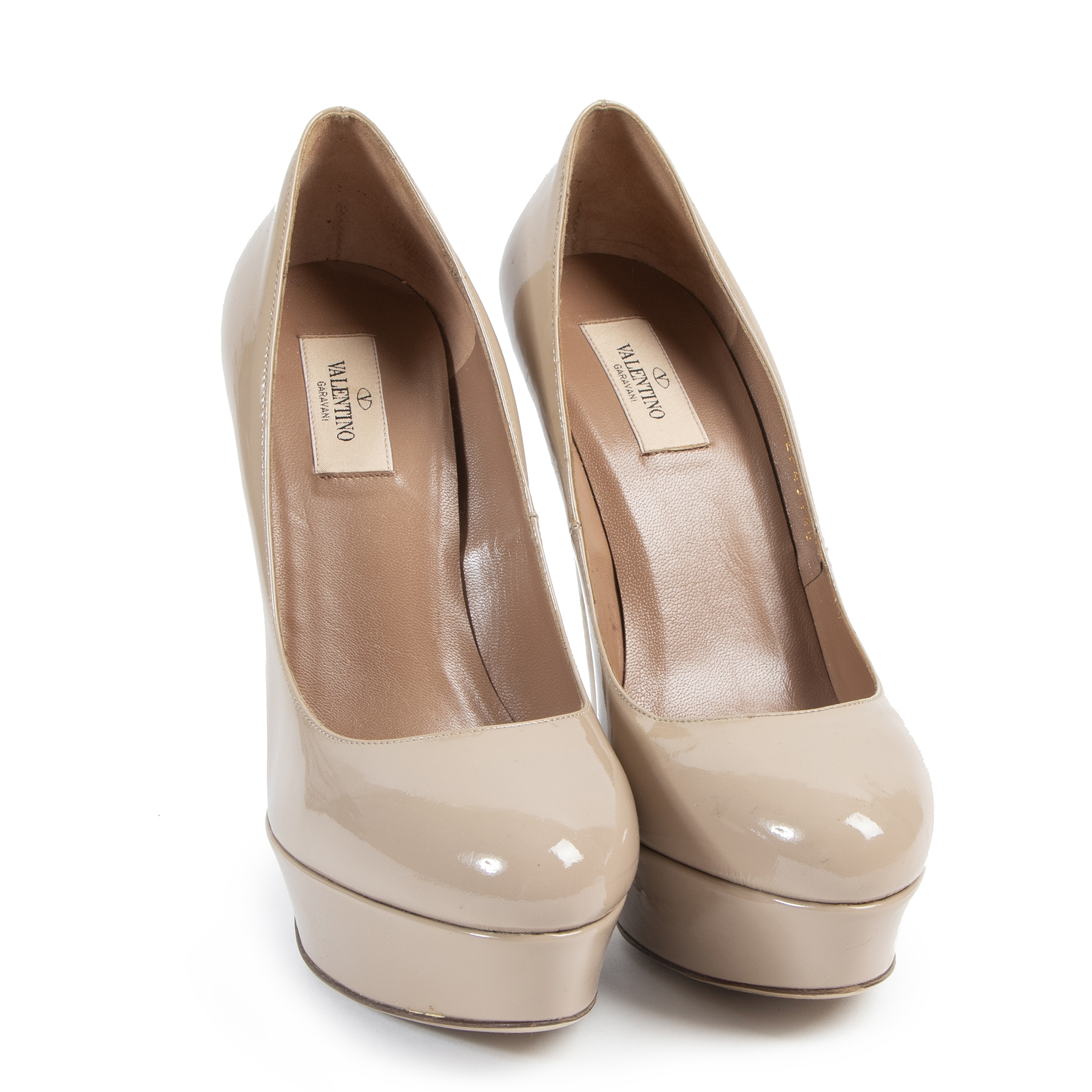 Authentic secondhand Valentino Nude Patent Leather Classic Platform Pumps - Size 40 designer shoes fashion luxury vintage webshop safe secure online shopping