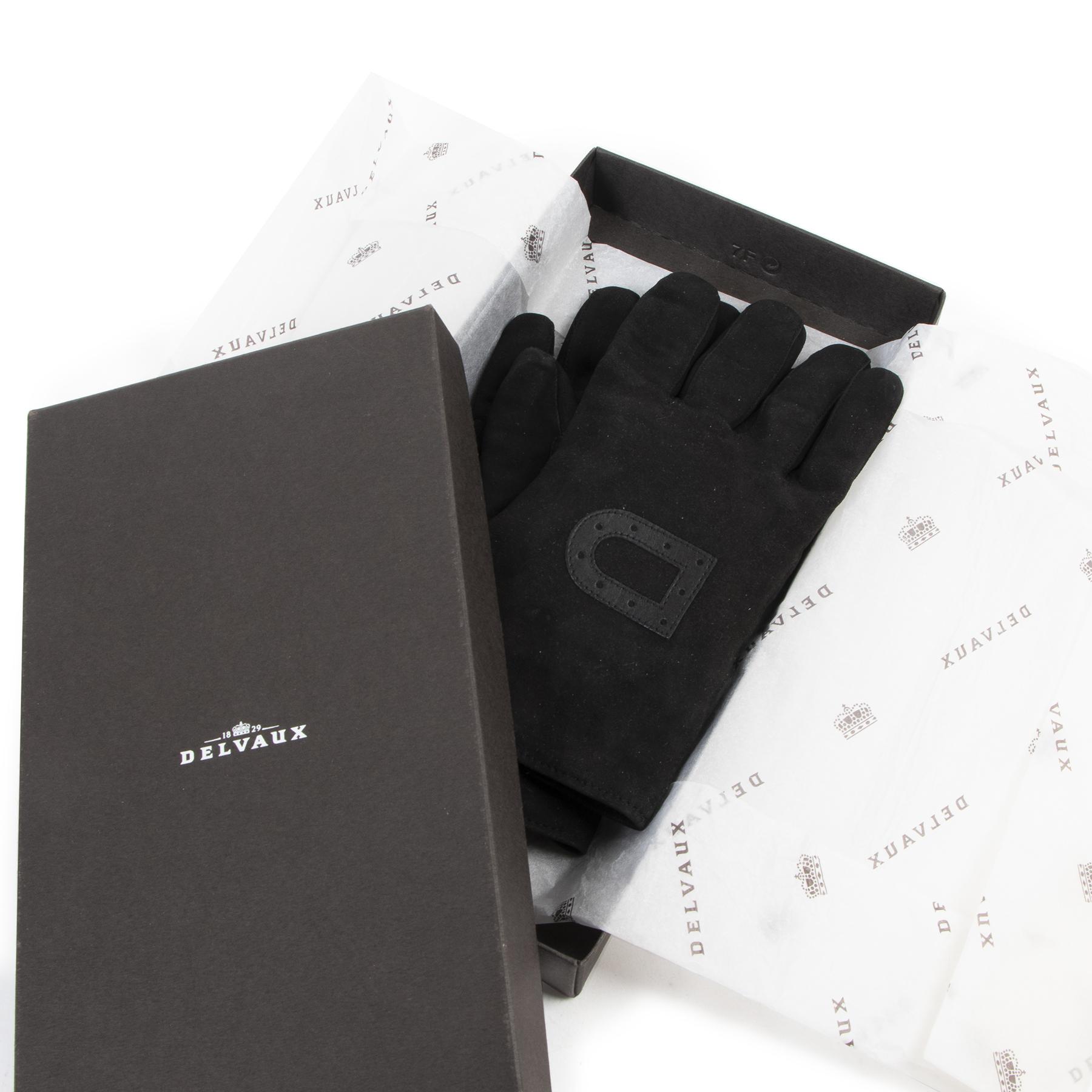 Delvaux Black Suede Gloves te koop aan de beste prijs bij Labellov