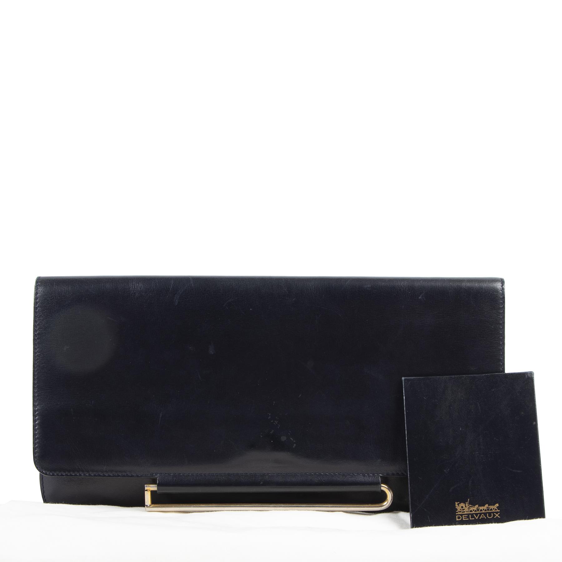 Delvaux Blue Leather Pochette Clutch pour le meilleur prix chez Labellov à Anvers