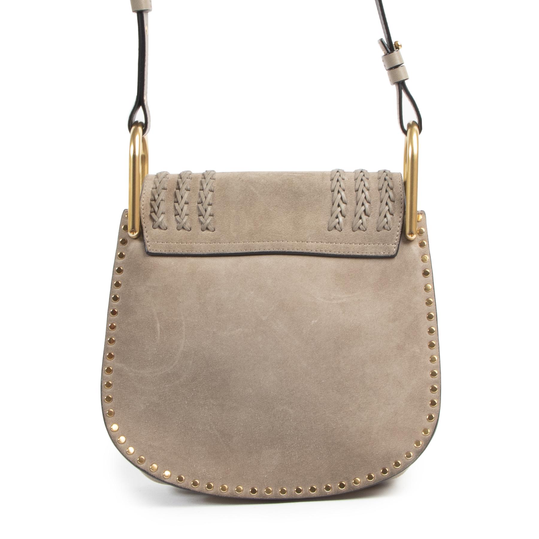 Authentieke Tweedehands Chloé Grey Suede Hudson Small Crossbody Bag juiste prijs veilig online shoppen luxe merken webshop winkelen Antwerpen België mode fashion