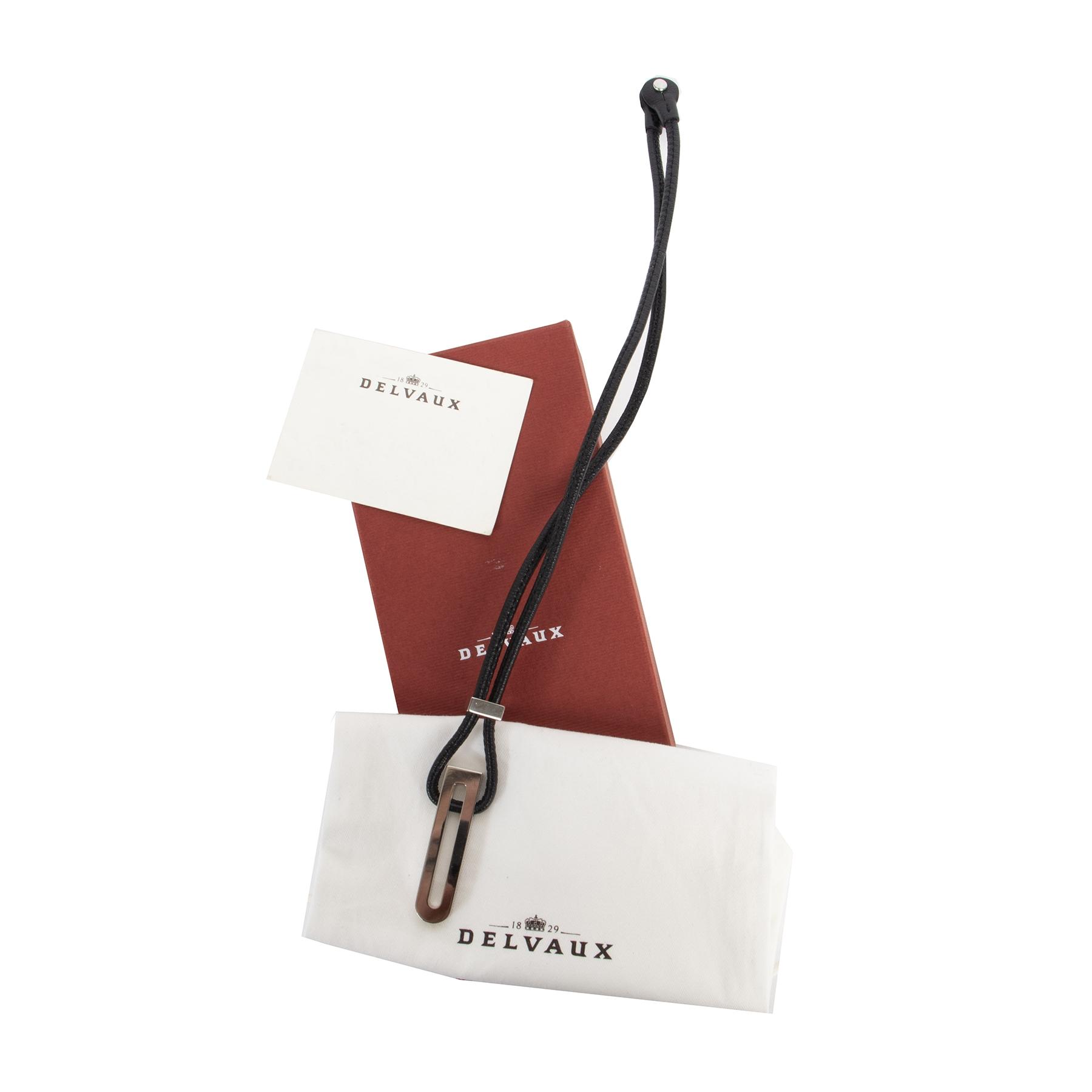 Authentique seconde-main vintage Delvaux Black Leather Silver D Necklace achète en ligne webshop LabelLOV
