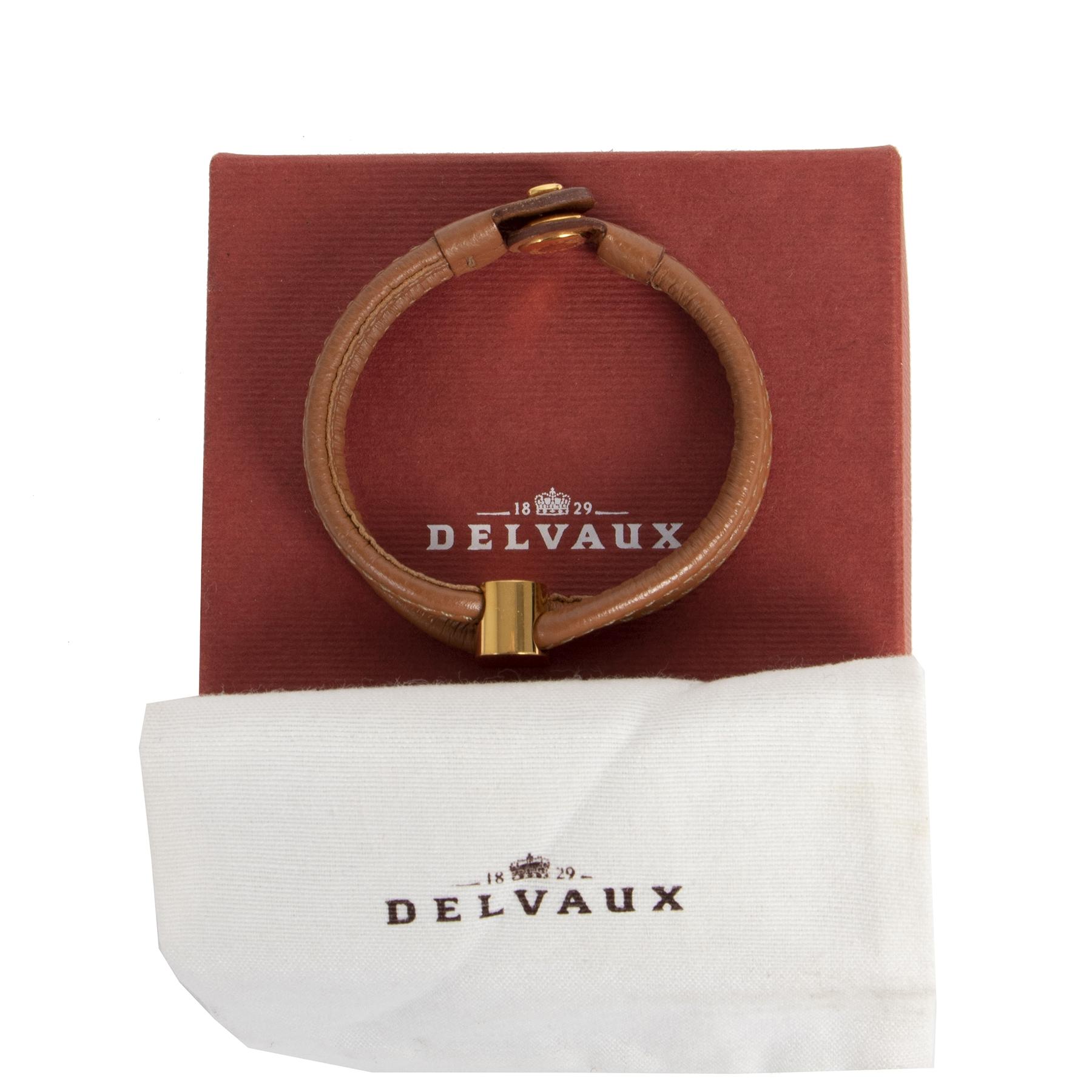 Authentique seconde-main vintage Delvaux Brown Leather Gold D Bracelet achète en ligne webshop LabelLOV