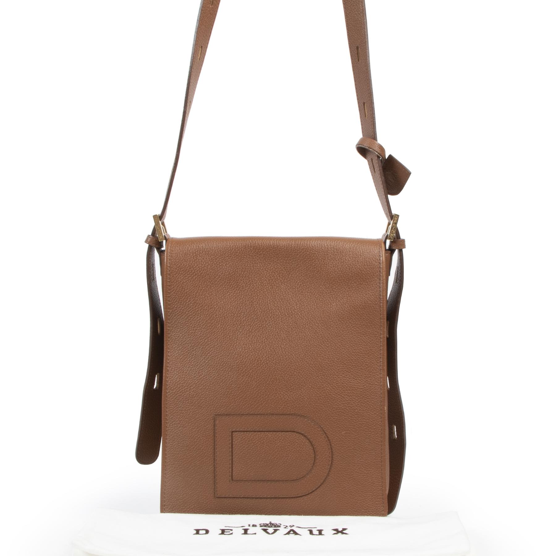 Koop en verkoop uw authentieke designer handtassen online at Labellov secondhand designer bags