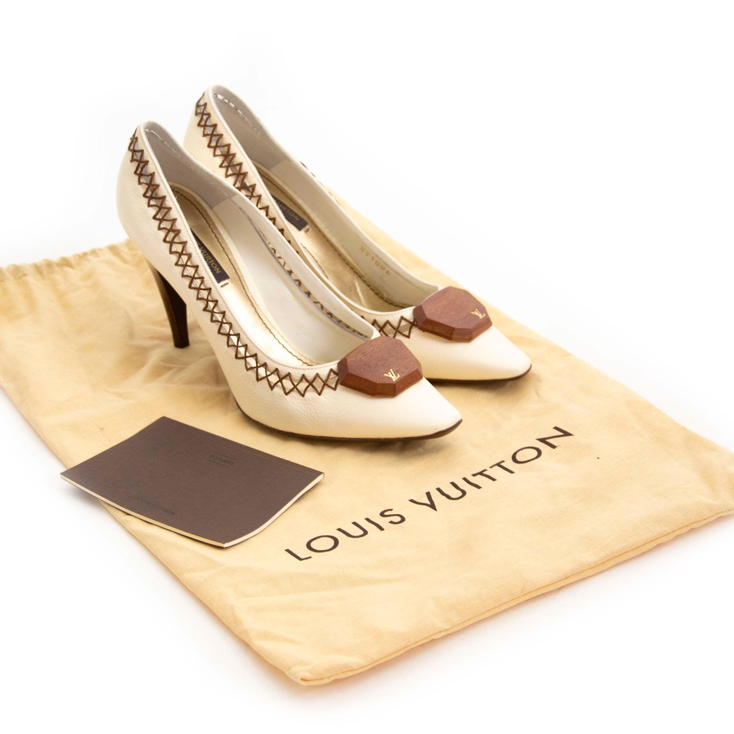 eadc269b5142 Op zoek naar Louis Vuitton pumps  Nu te koop bij labellov.com tegen de