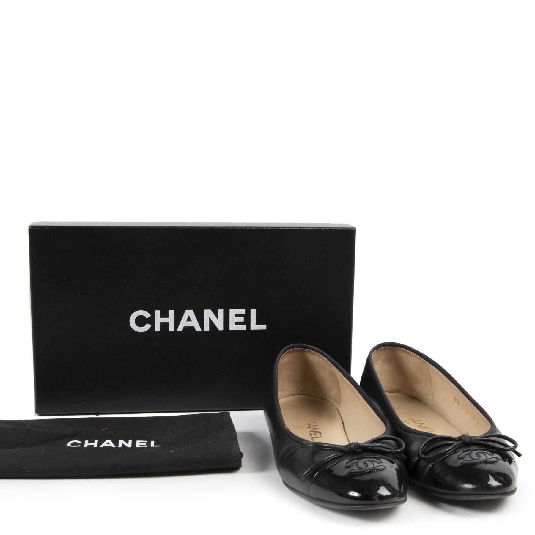 Chanel Black Leather Ballerina Flats kopen en verkopen aan de beste prijs