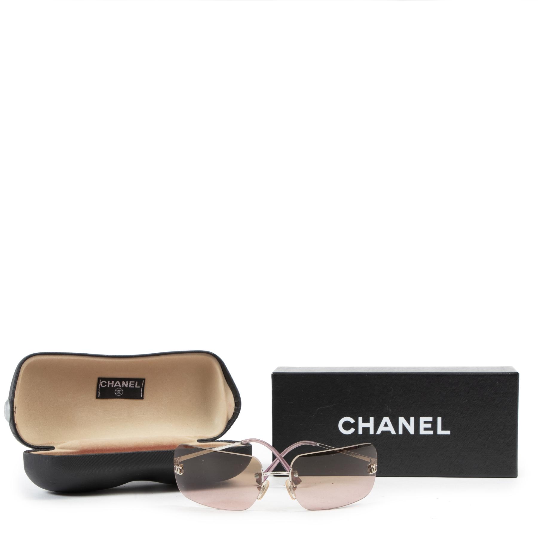 Chanel Purple Ombre Sunglasses pour le meilleur prix chez labellov à Anvers Belgique