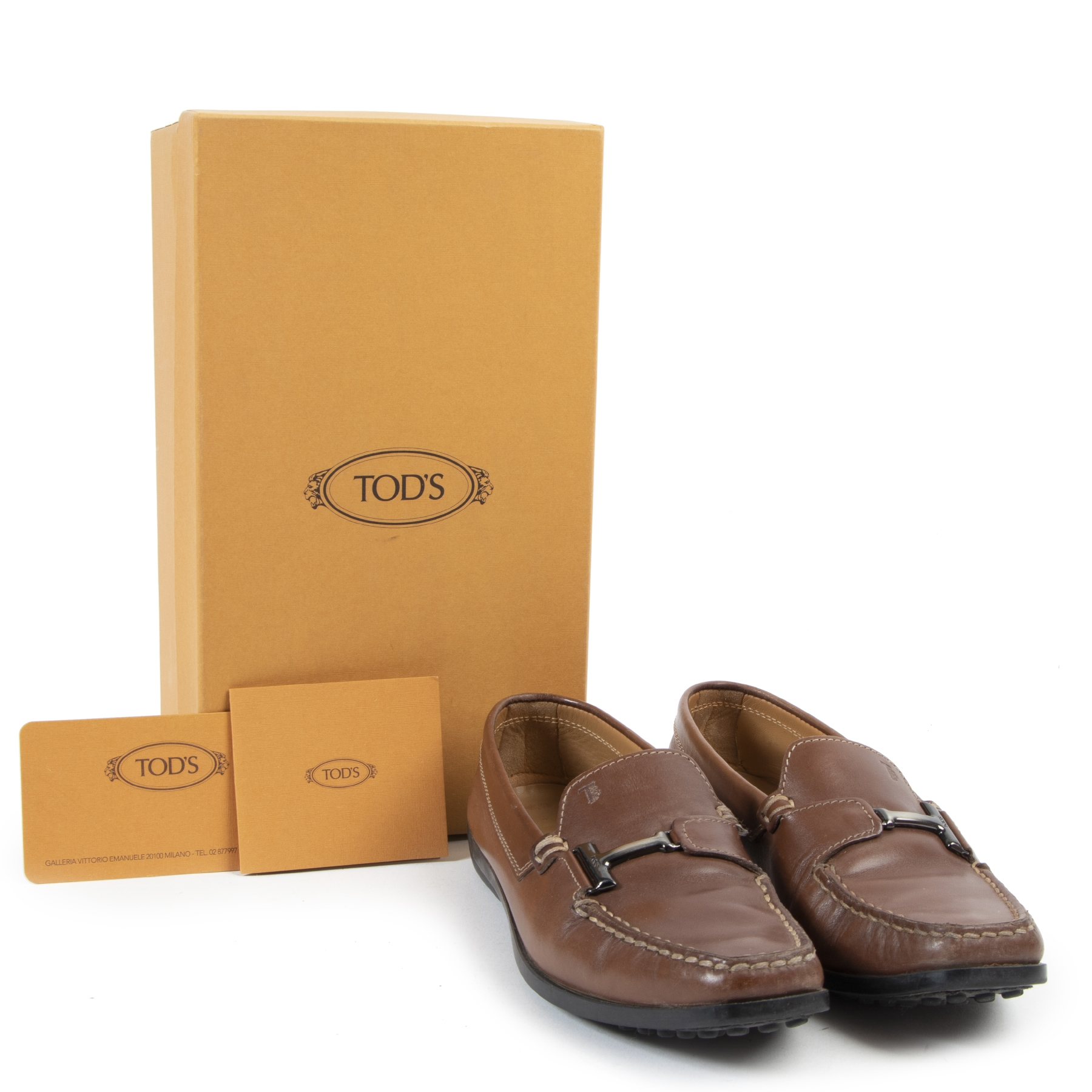 Buy preloved Tod's shoes at LabelLOV Antwerp.