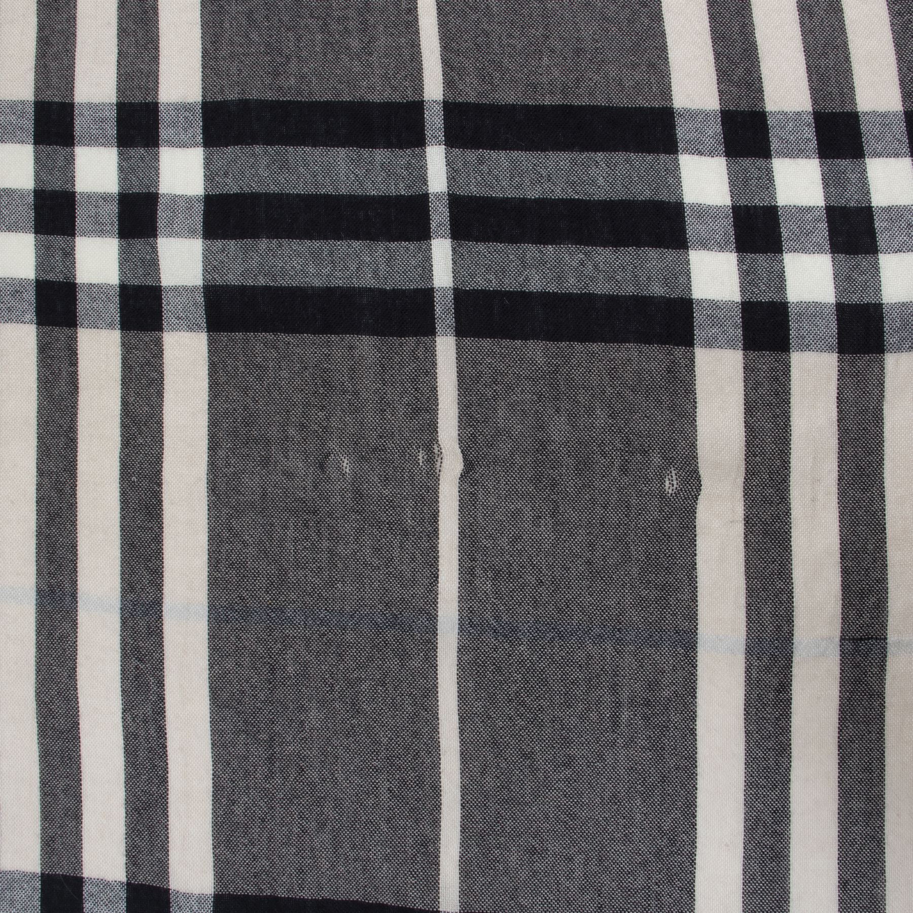 Authentic secondhand Burberry designer scarfs luxury vintage webshop fashion safe secure online shopping