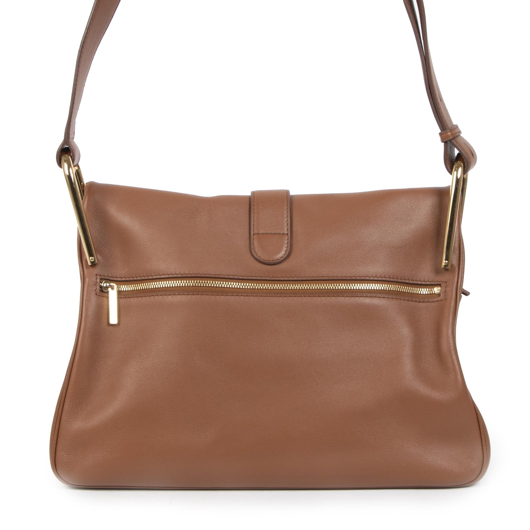Winkel veilig online bij LabelLOV Antwerpen voor authentieke tweedehands Delvaux Polo Givry Camel Shoulder Bag