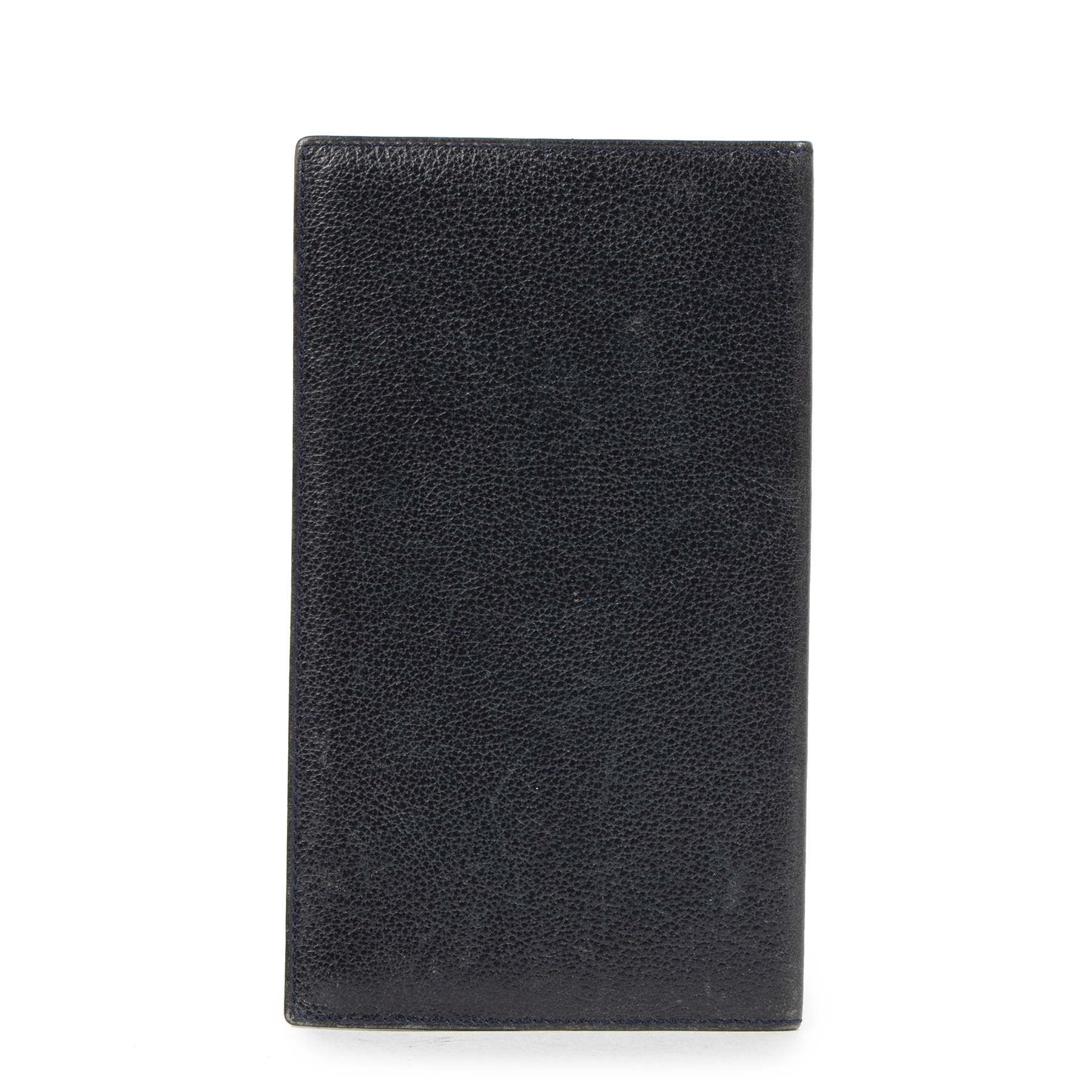 Buy authentic secondhand Delvaux Navy Leather Checkbook Wallet at the right price at LabelLOV vintage webshop. Safe and secure online shopping. Koop authentieke tweedehands Delvaux Navy Leather Checkbook Wallet met de juiste prijs bij LabelLOV
