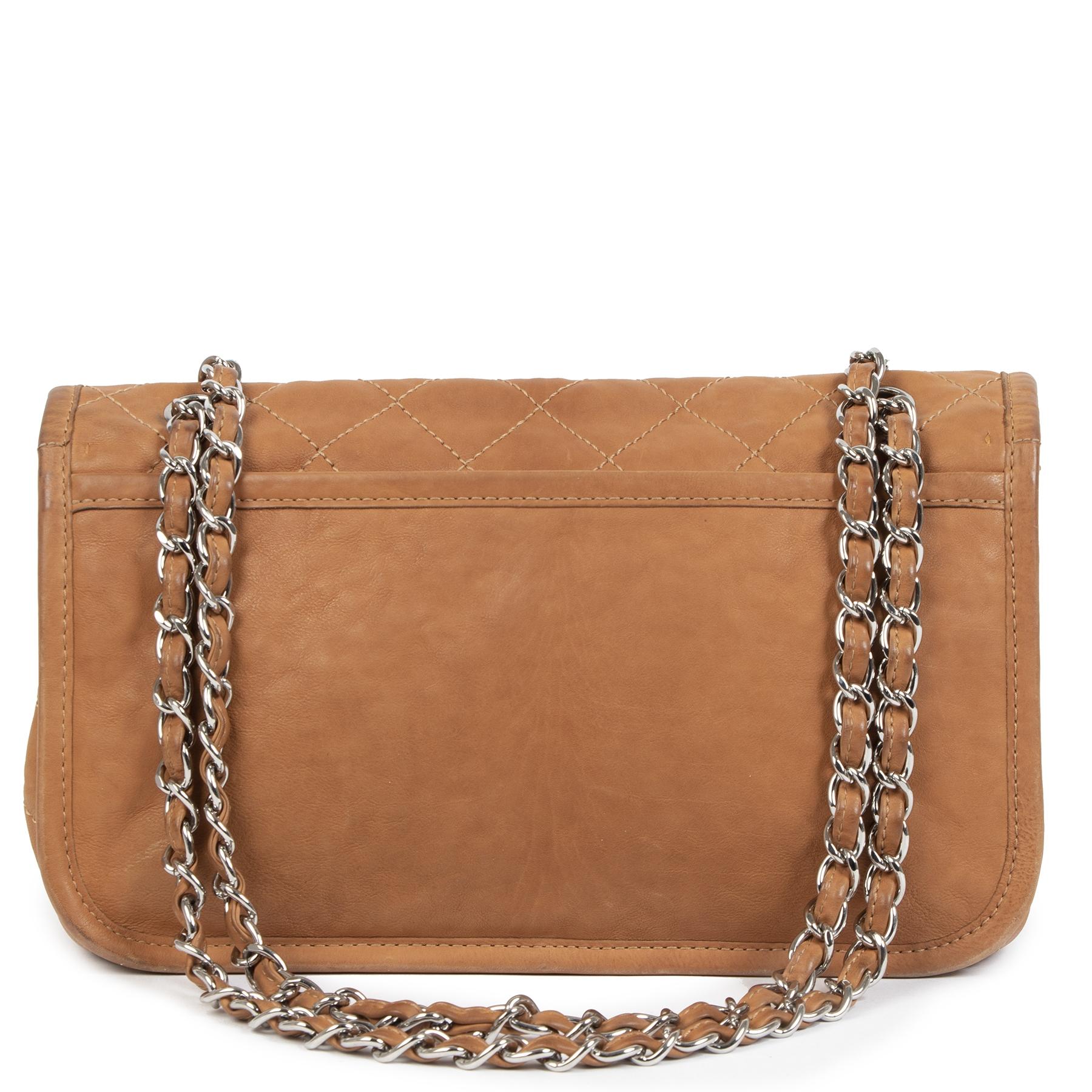 Authentieke Tweedehands Chanel Quilted Camel Aged Leather Flap Bag juiste prijs veilig online shoppen luxe merken webshop winkelen Antwerpen België mode fashion