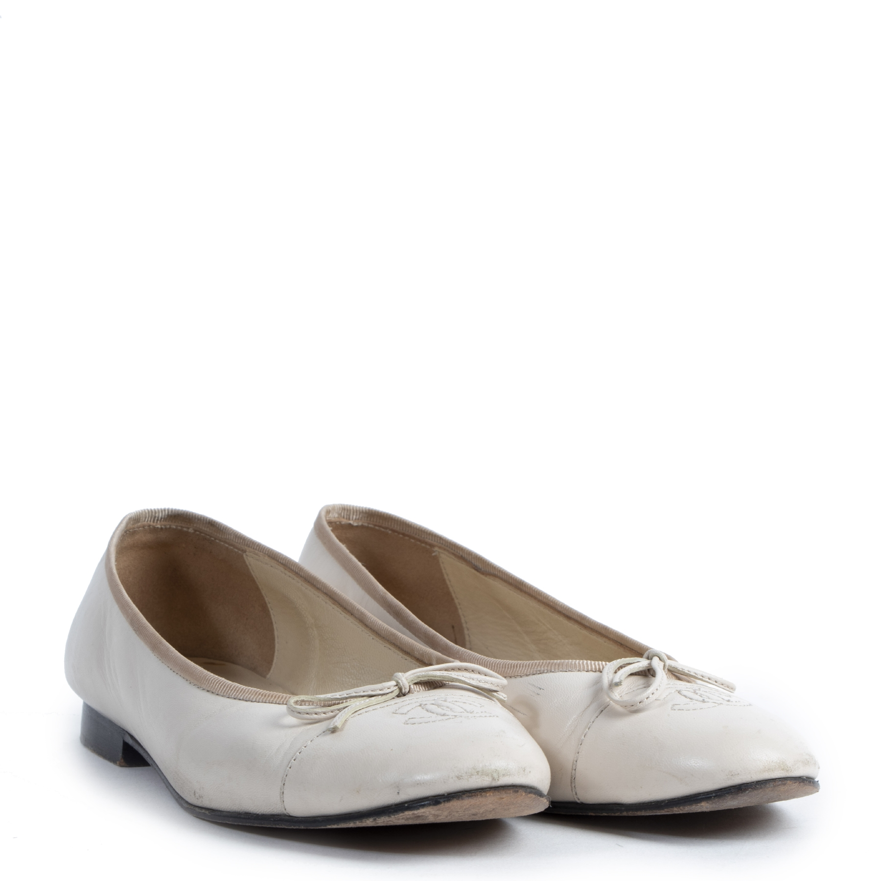Chanel Cream Patent Leather Bow Ballerinas