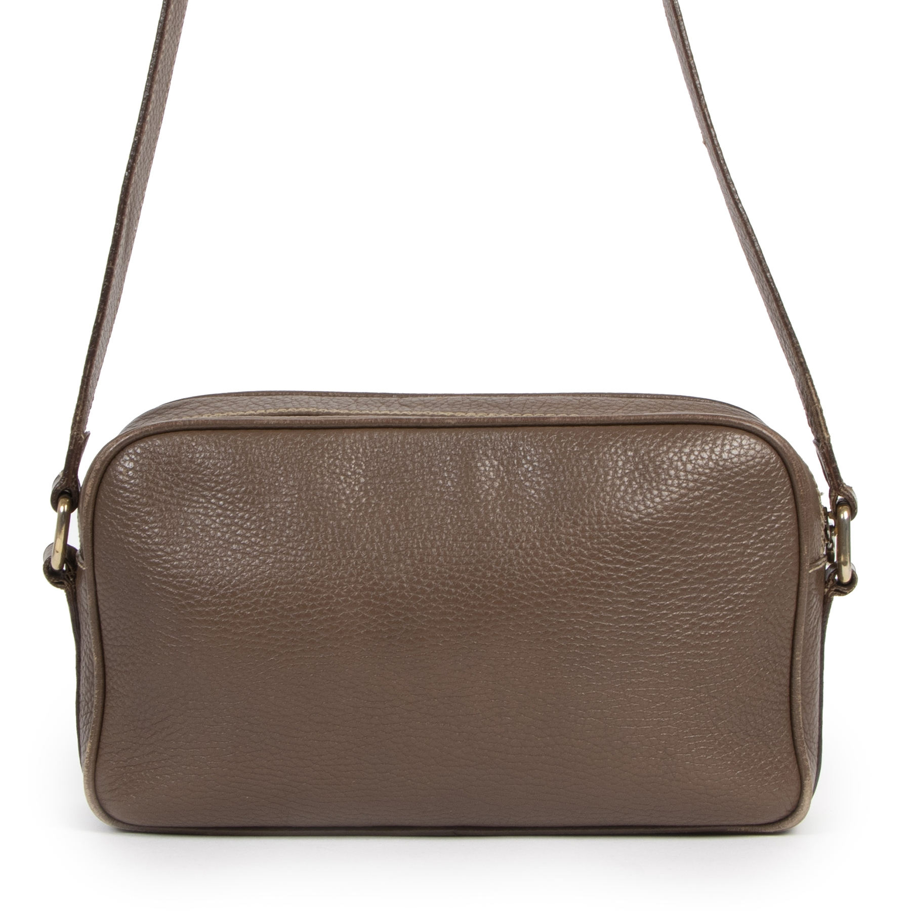 Buy authentic secondhand Fendi bags at the right price at LabelLOV vintage webshop. Safe and secure online shopping.