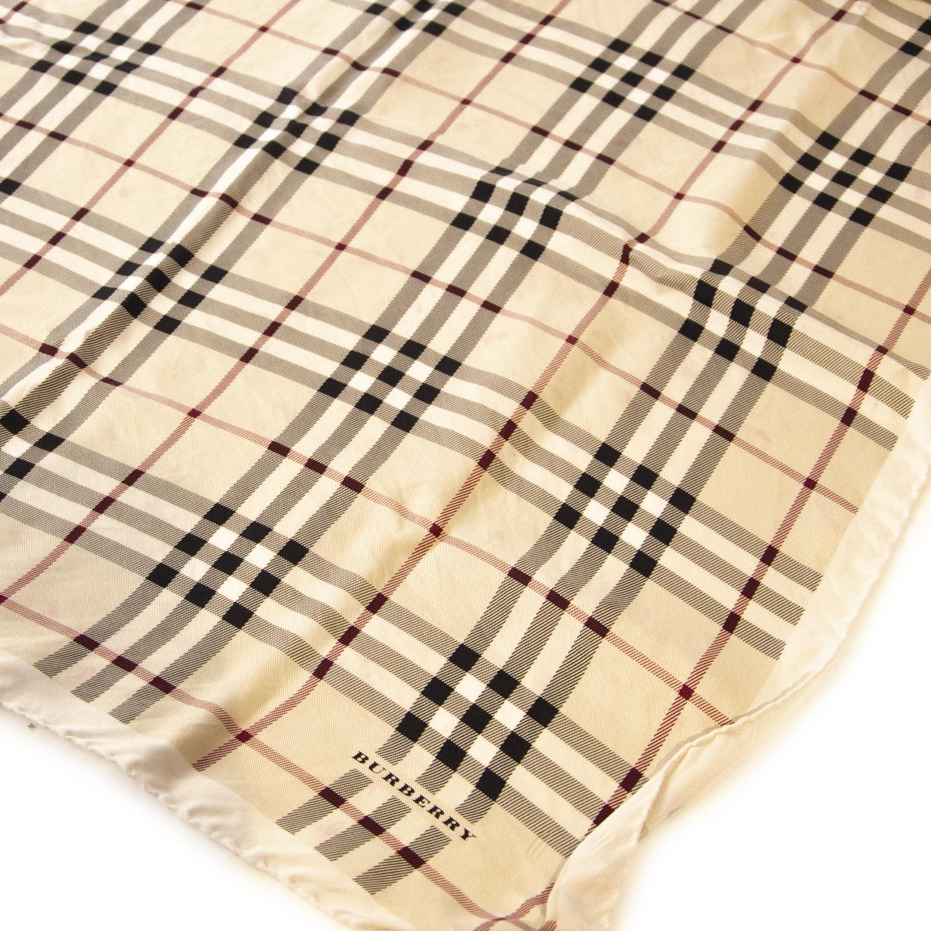 Authentieke Tweedehands Burberry Beige Check Silk Scarf juiste prijs veilig online shoppen luxe merken webshop winkelen Antwerpen België mode fashion