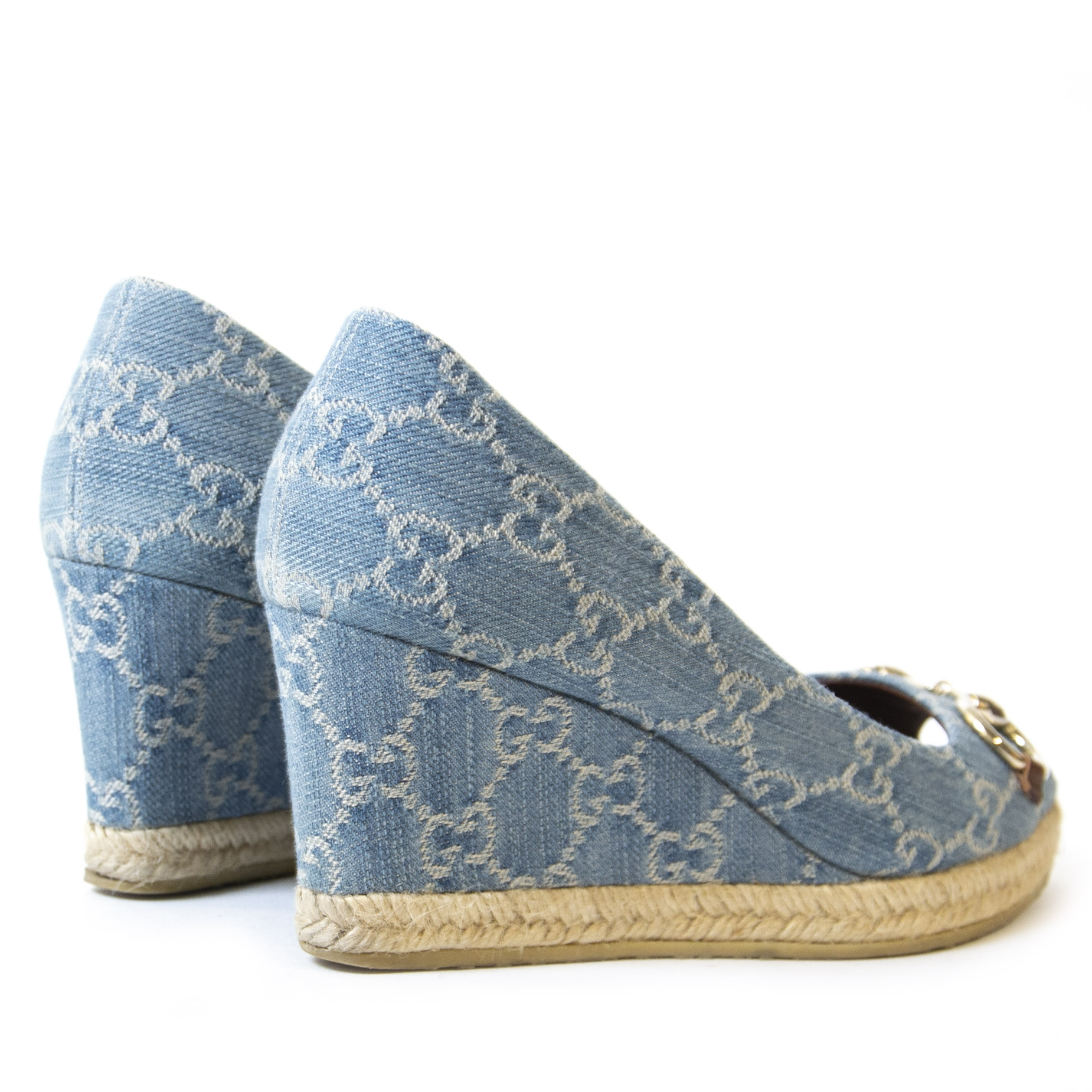4a25046dc ... Authentieke Tweedehands Gucci Blue Denim Monogram Horsebit Open Toe  Espadrille Wedges - Size 38 juiste prijs
